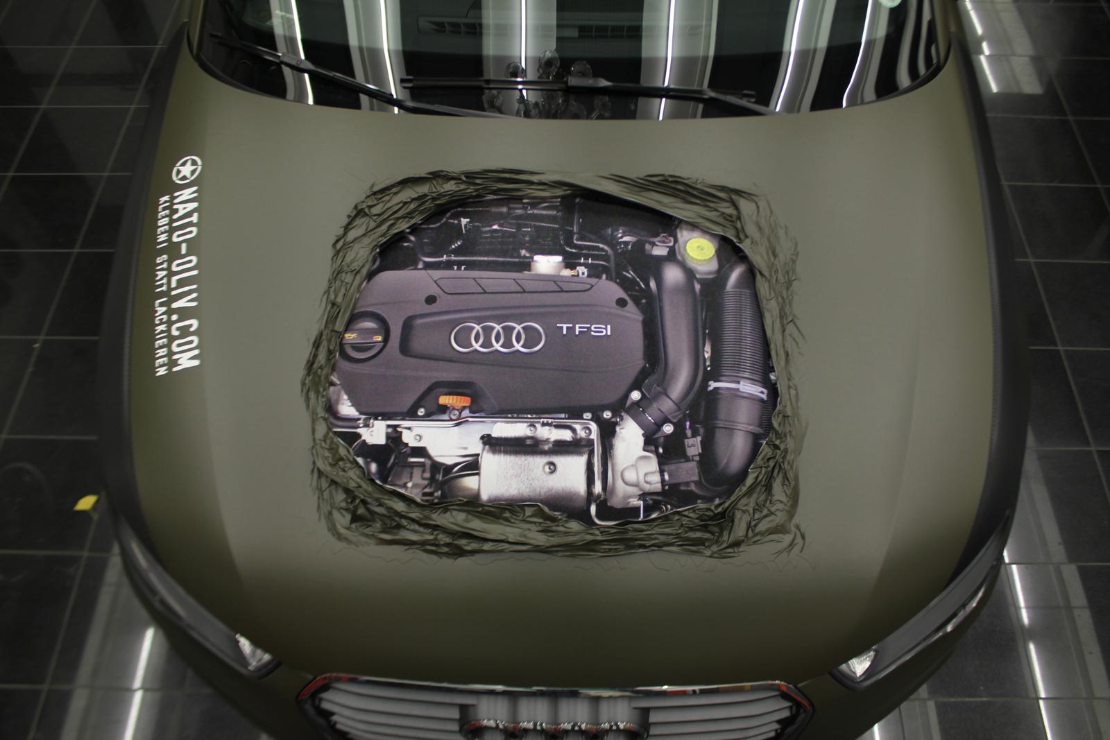 Audi_A1_Nato-oliv_Matt_Motorhaube