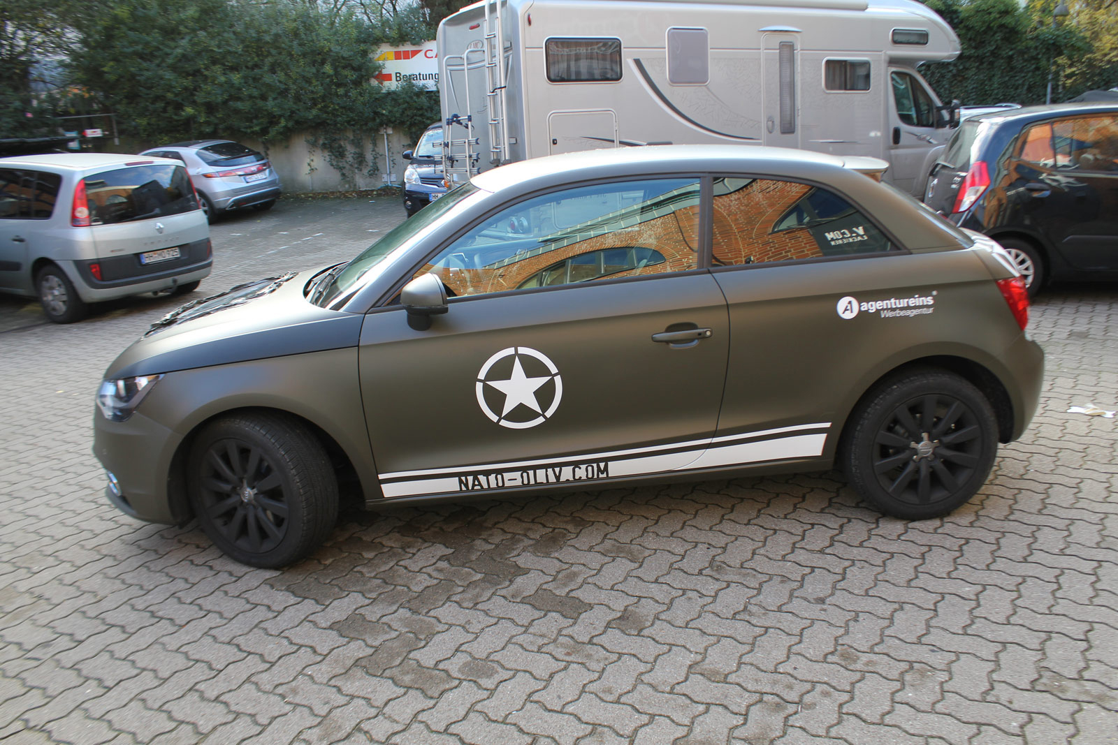 Audi_A1_Nato-oliv_Matt_Steinschlagschutz_29