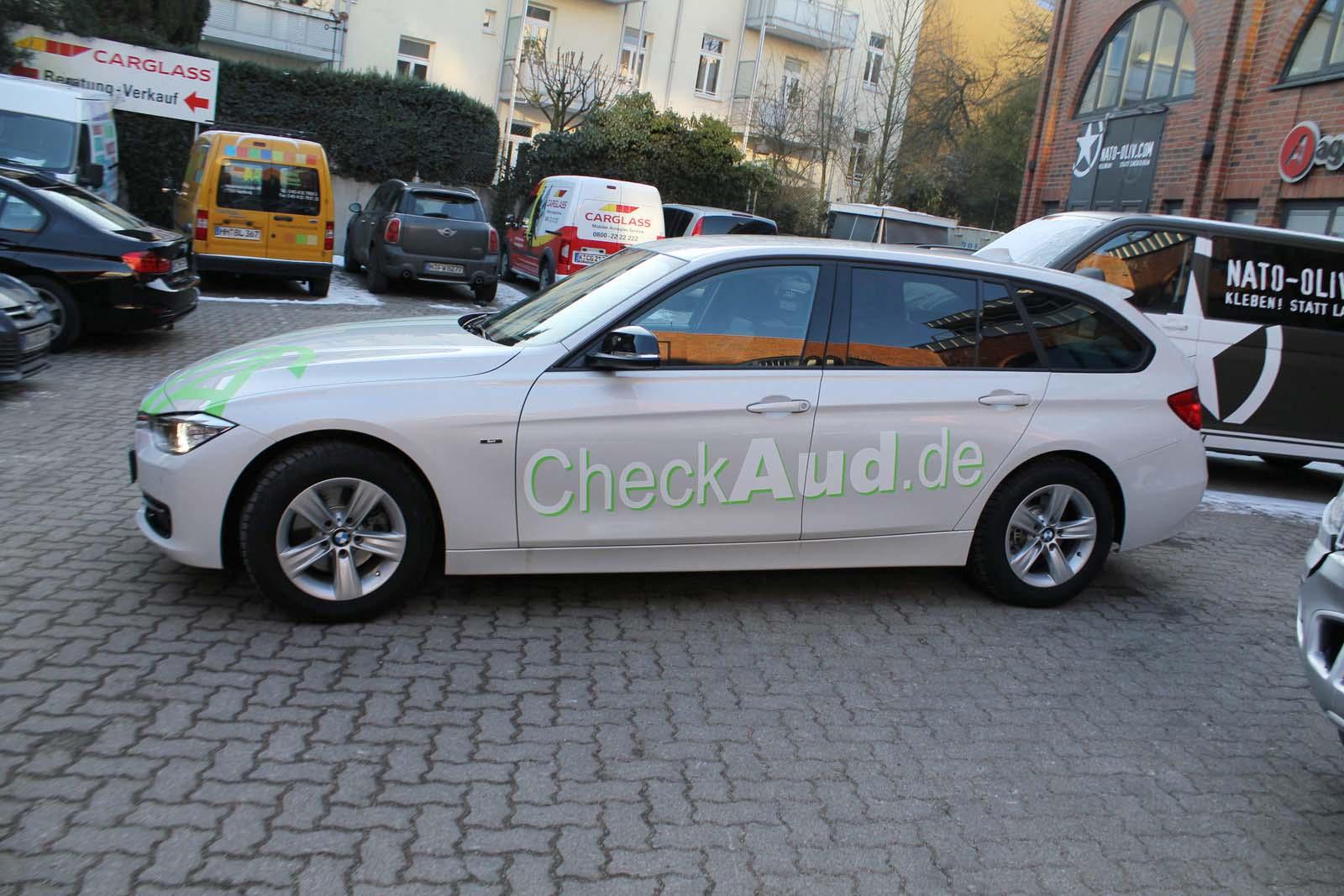 BMW_3ER_RALLYESTREIFEN_WEISS_GRUEN_MATT_MIT_BRANDING_19