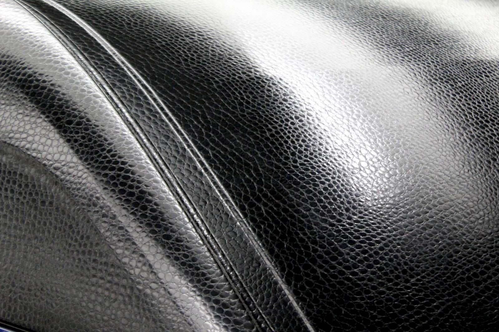 Mercedes_Sprinter_Krokoleder_05
