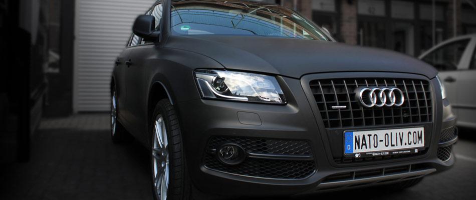 Audi Q5 Folierung in schwarz ultramatt.