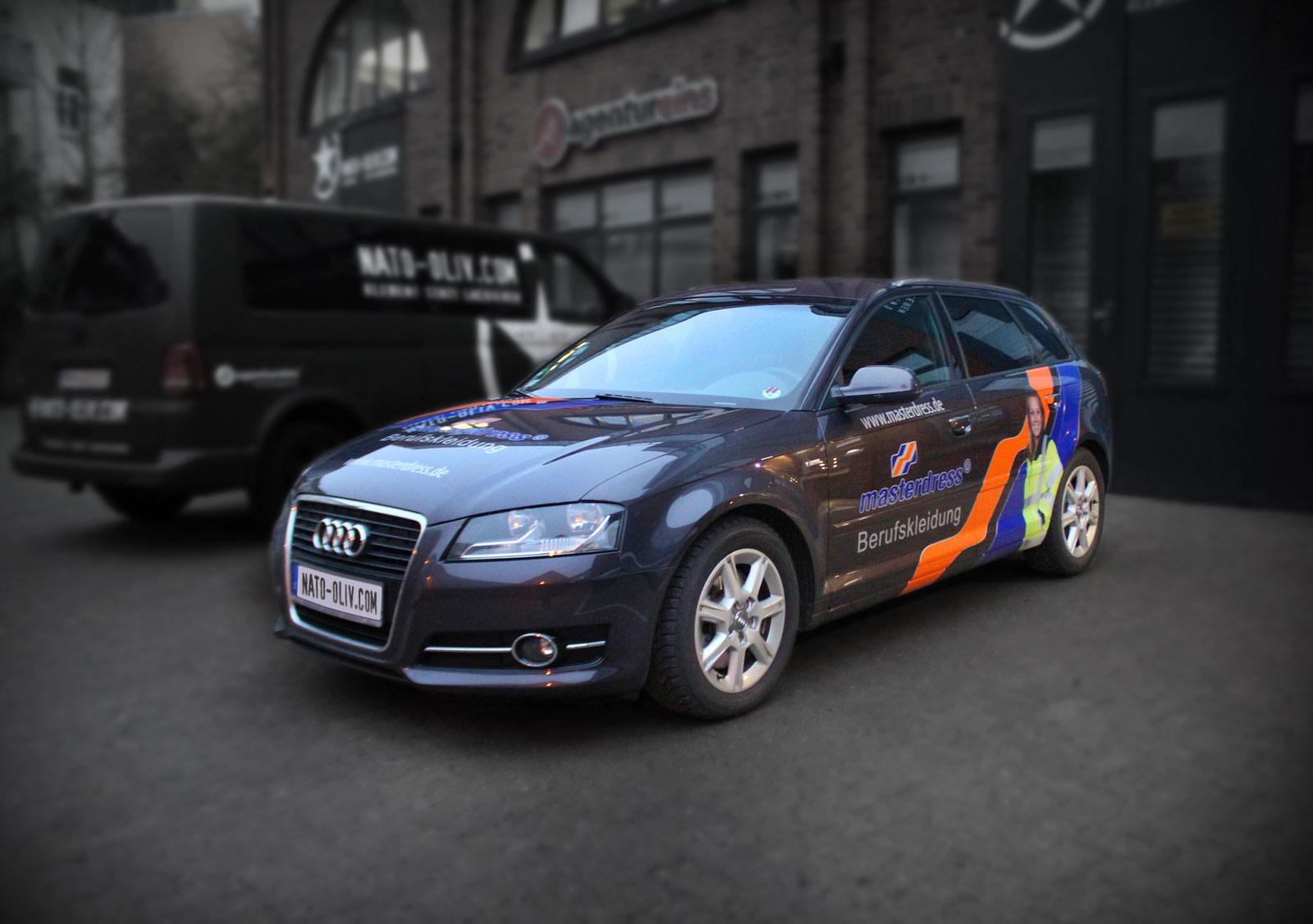 Audi A3 Beschriftung mit orangener, blauer und silberner Folie und zusätzlichem Digitaldruck