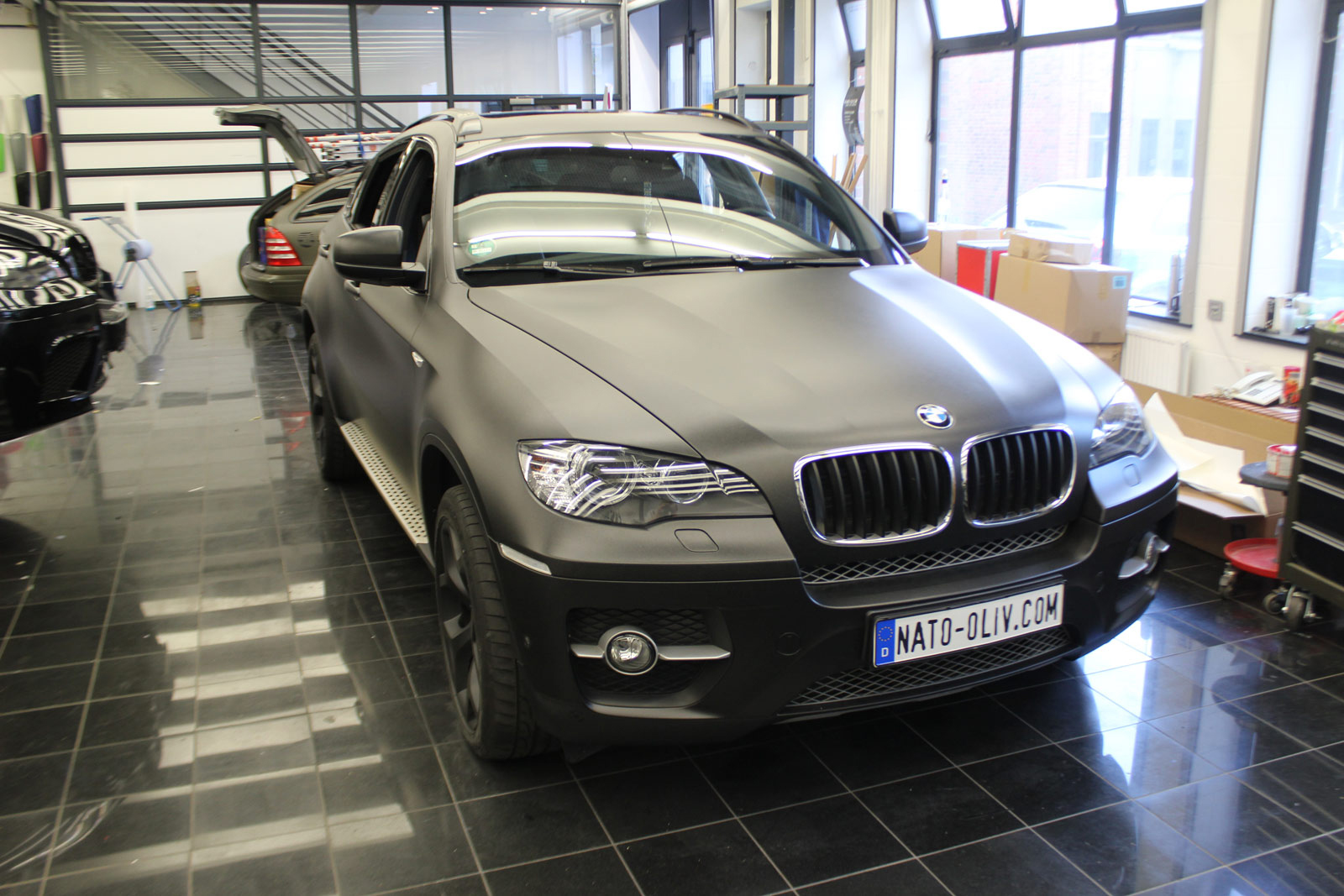 BMW_X6_FOLIERUNG_SCHWARZ_METALLIC_MATT_02