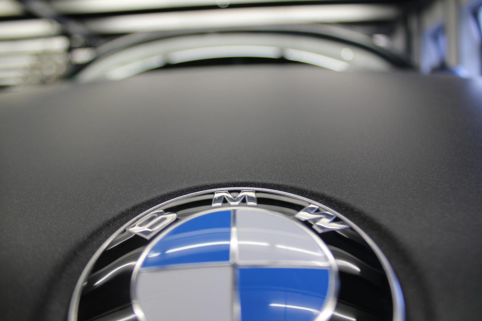 BMW_X6_FOLIERUNG_SCHWARZ_METALLIC_MATT_03