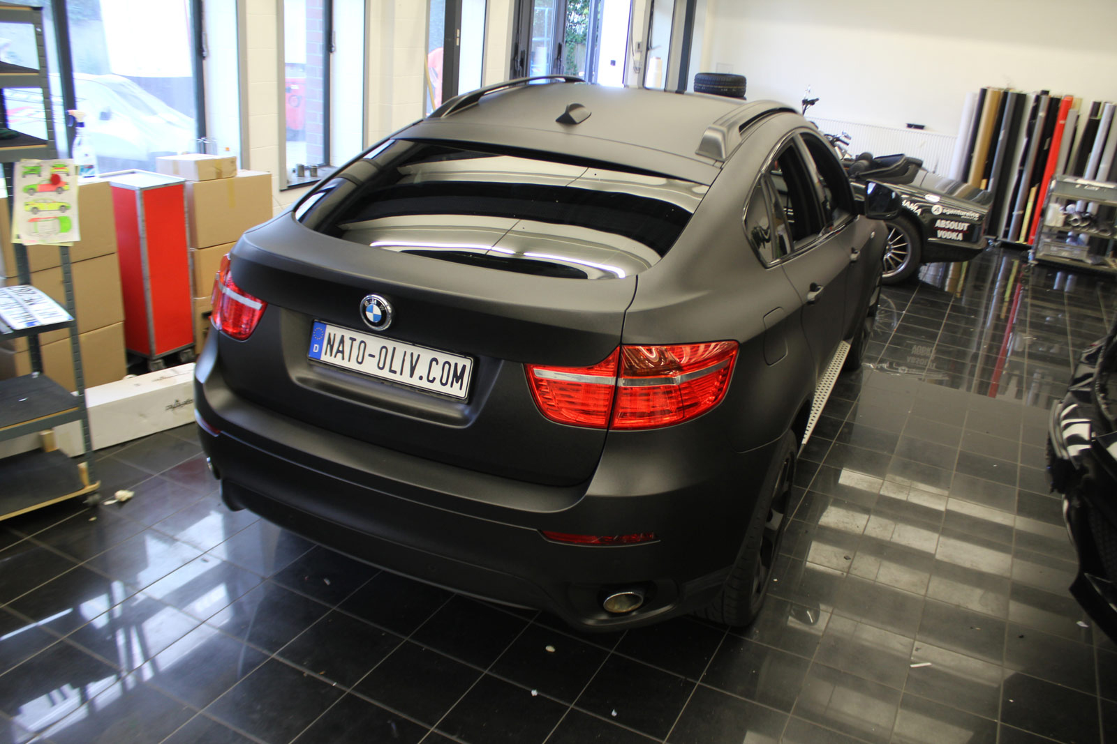 BMW_X6_FOLIERUNG_SCHWARZ_METALLIC_MATT_06