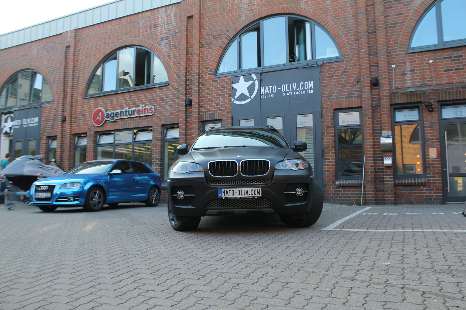 BMW_X6_FOLIERUNG_SCHWARZ_METALLIC_MATT_07