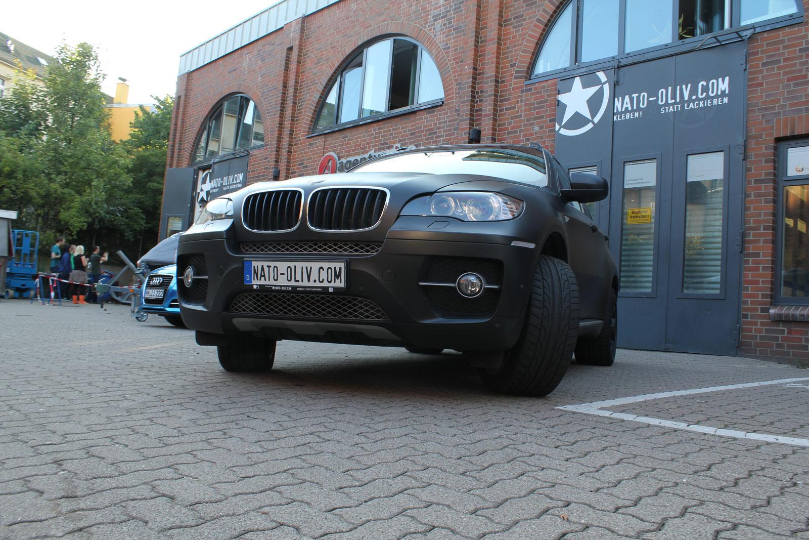 BMW_X6_FOLIERUNG_SCHWARZ_METALLIC_MATT_08