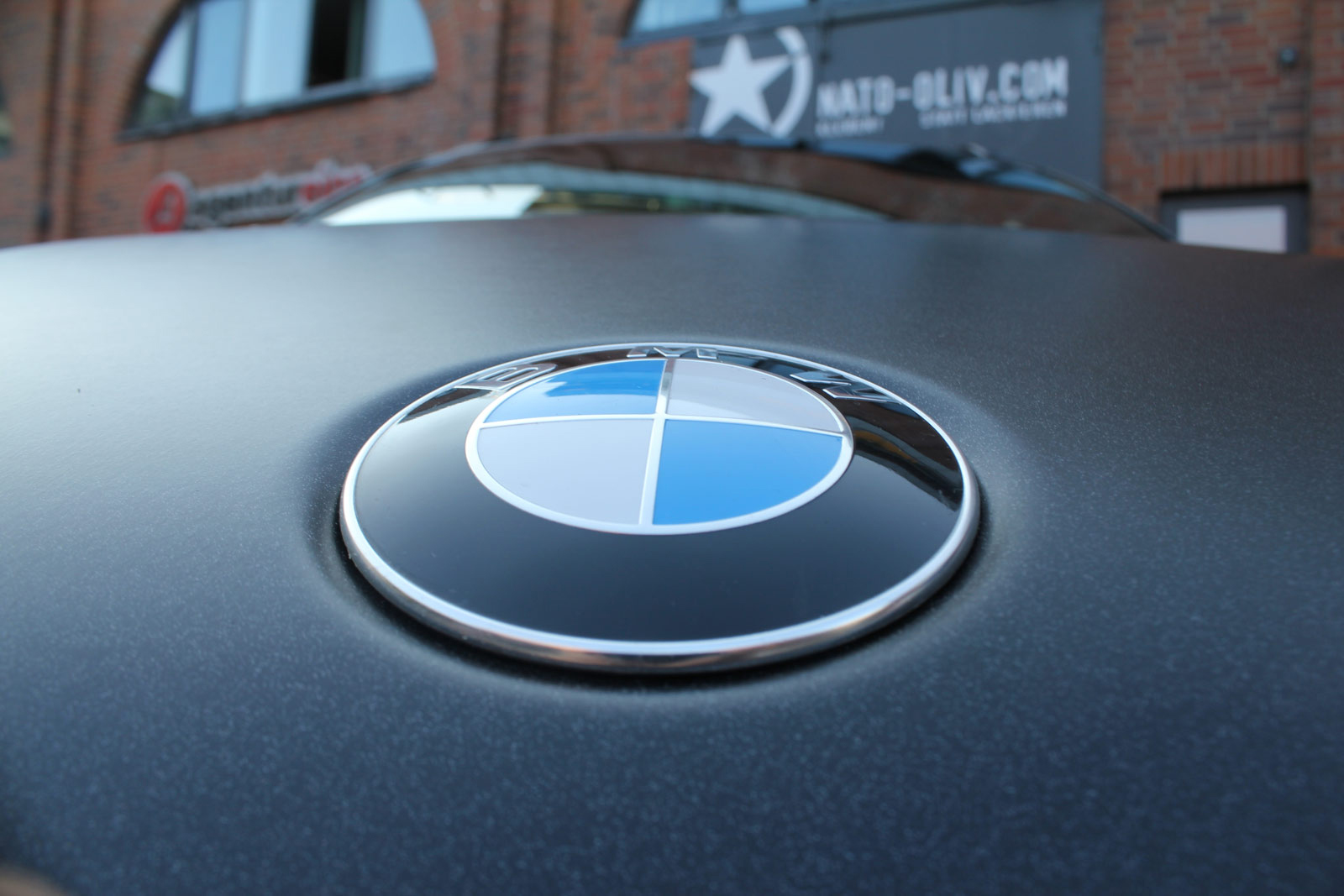 BMW_X6_FOLIERUNG_SCHWARZ_METALLIC_MATT_09