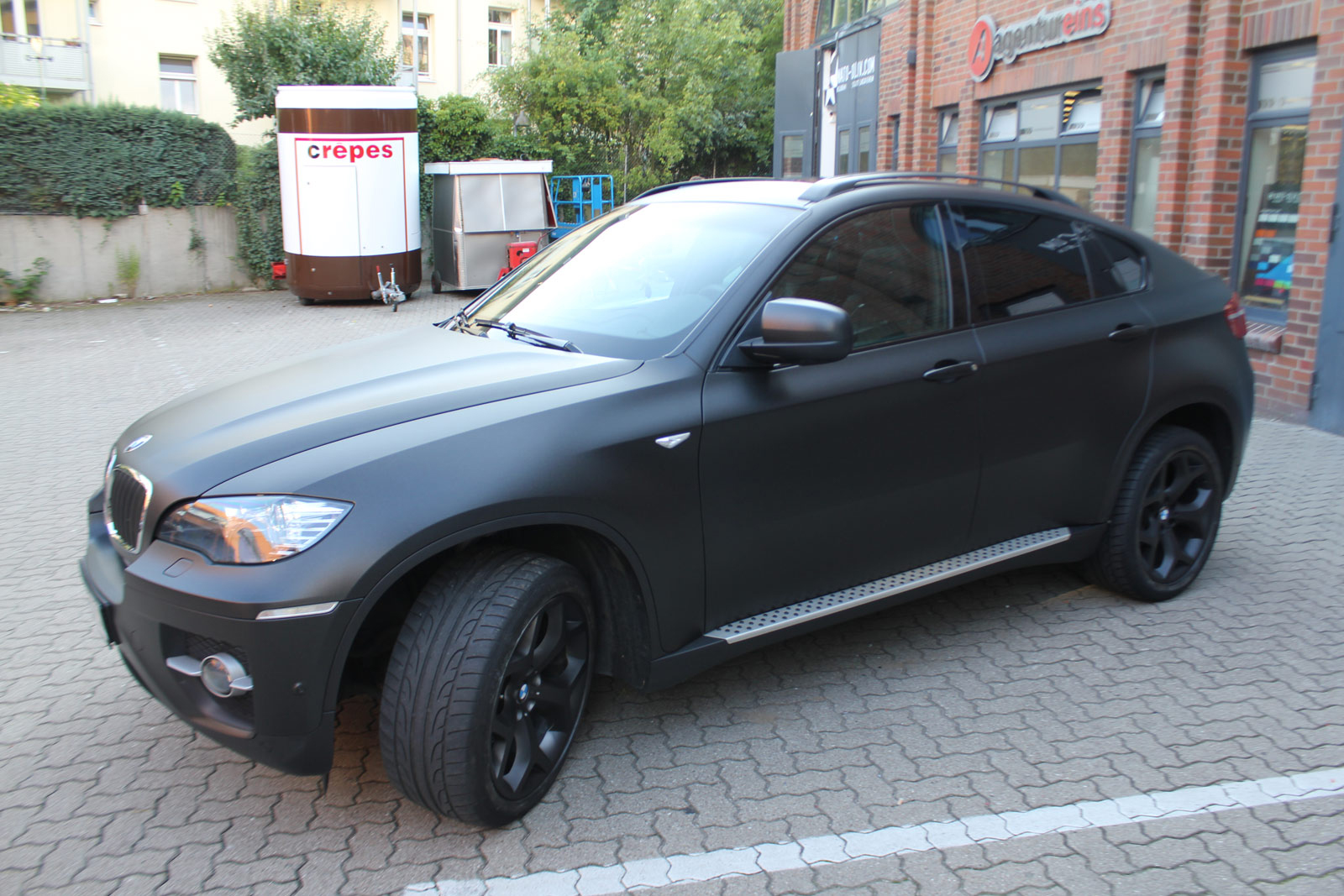 BMW_X6_FOLIERUNG_SCHWARZ_METALLIC_MATT_12