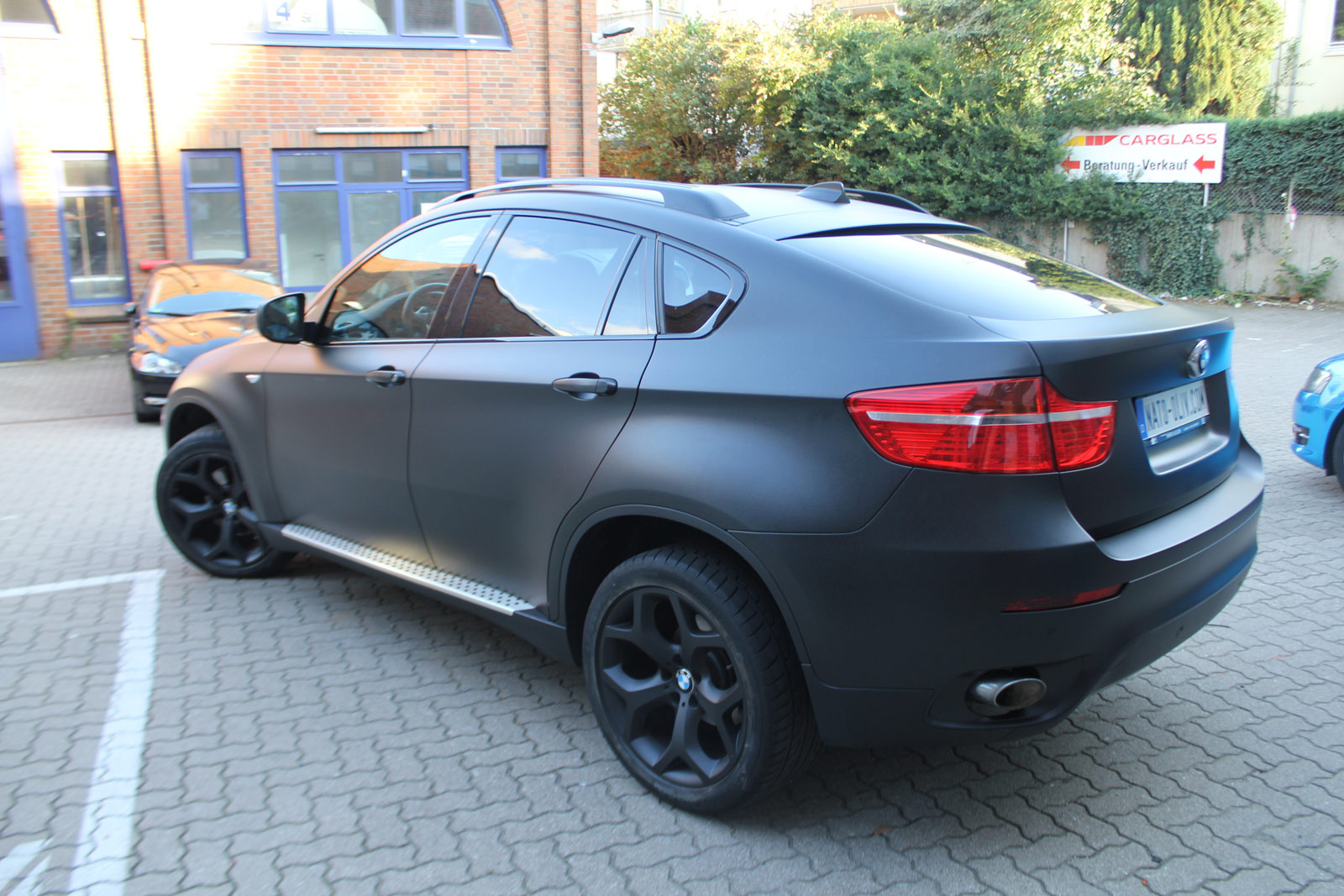 bmw x6 in schwarz metallic matt nato. Black Bedroom Furniture Sets. Home Design Ideas
