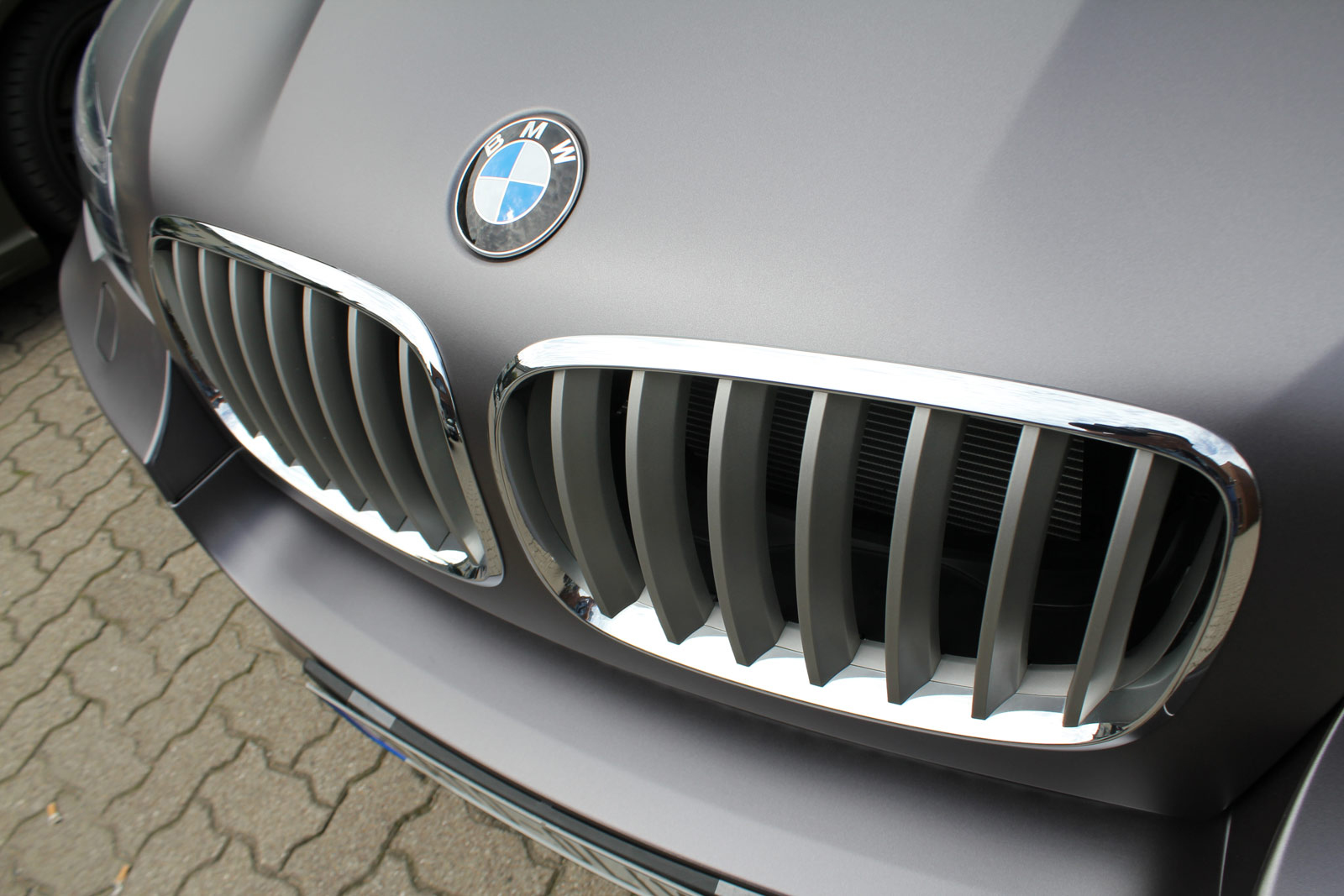 BMW_X6_Folierung_Anthrazit_Metallic_Matt_01
