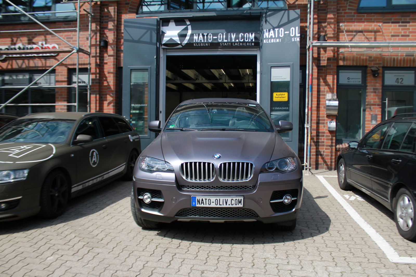 BMW_X6_Folierung_Anthrazit_Metallic_Matt_03