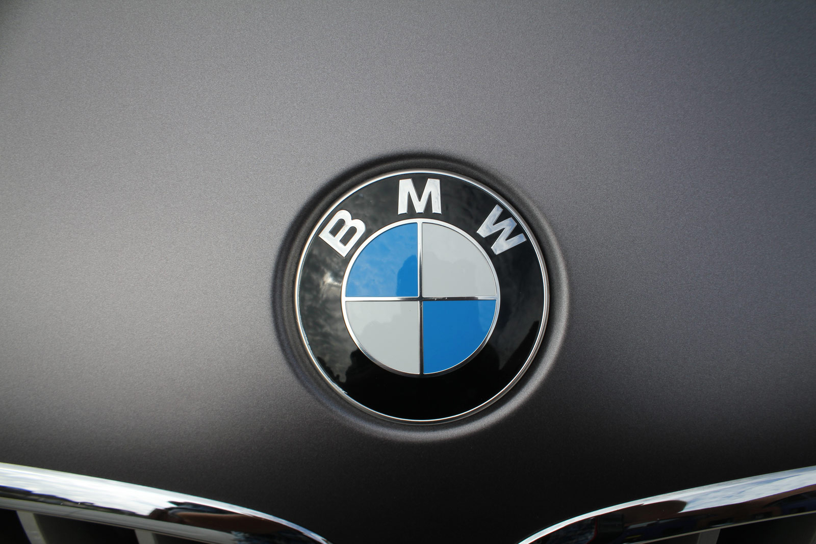BMW_X6_Folierung_Anthrazit_Metallic_Matt_05