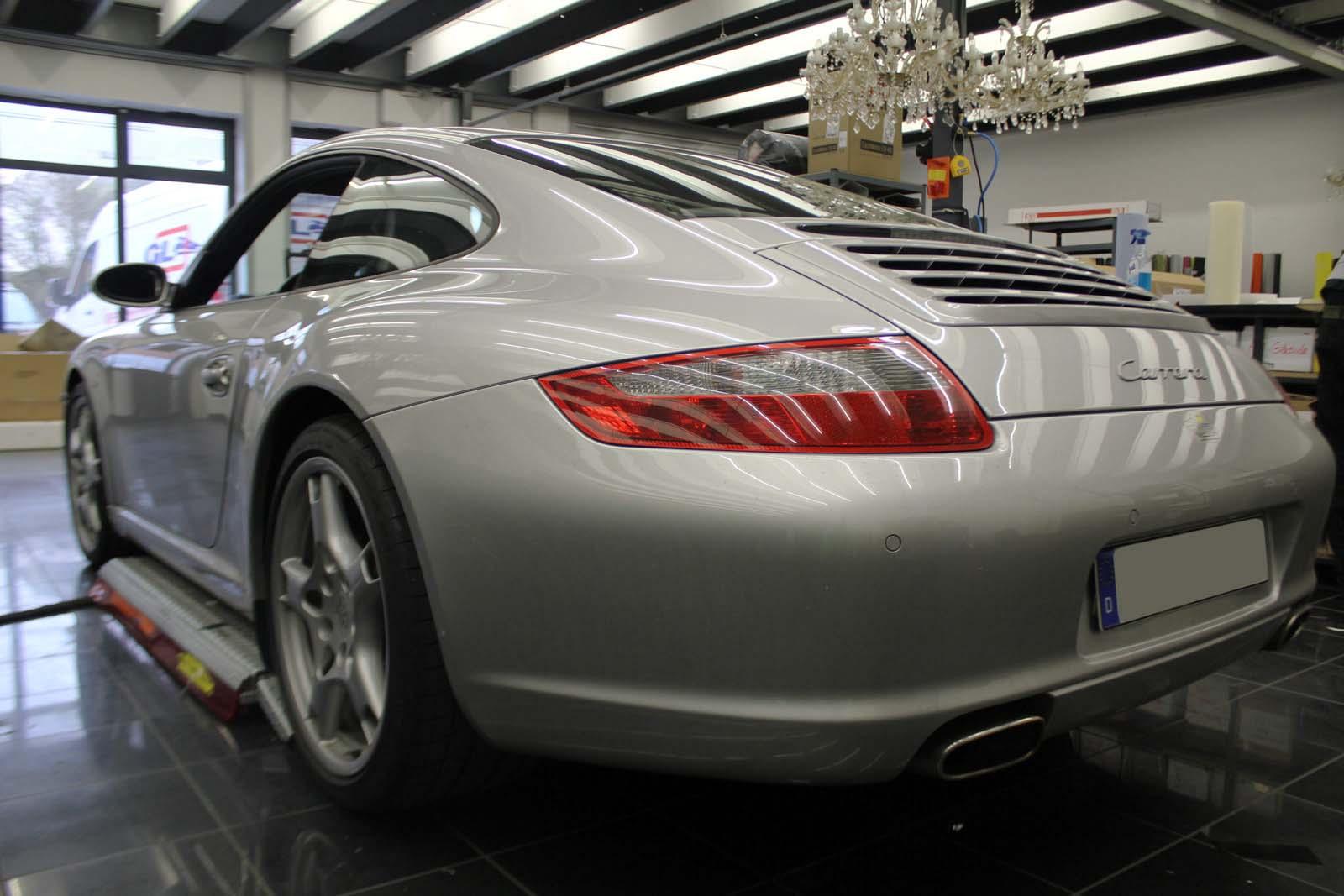 Porsche_911_Rallyestreifen_Teilfolierung_Martini_Design_02