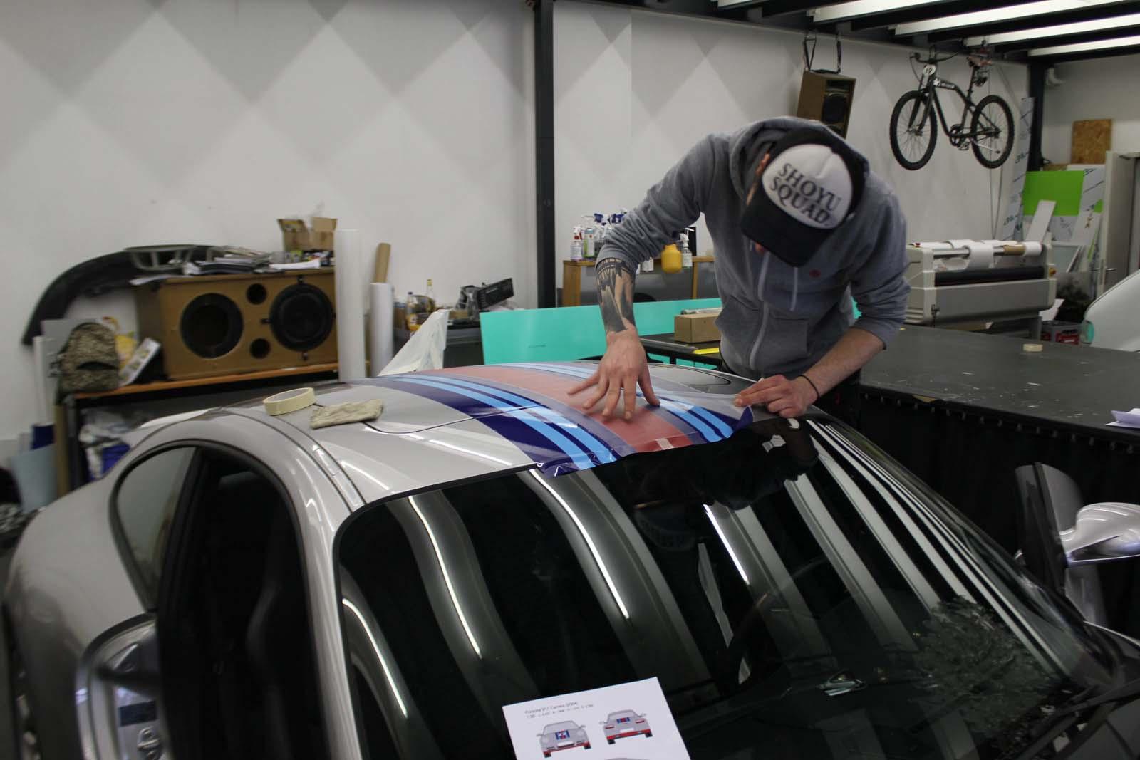 Porsche_911_Rallyestreifen_Teilfolierung_Martini_Design_07