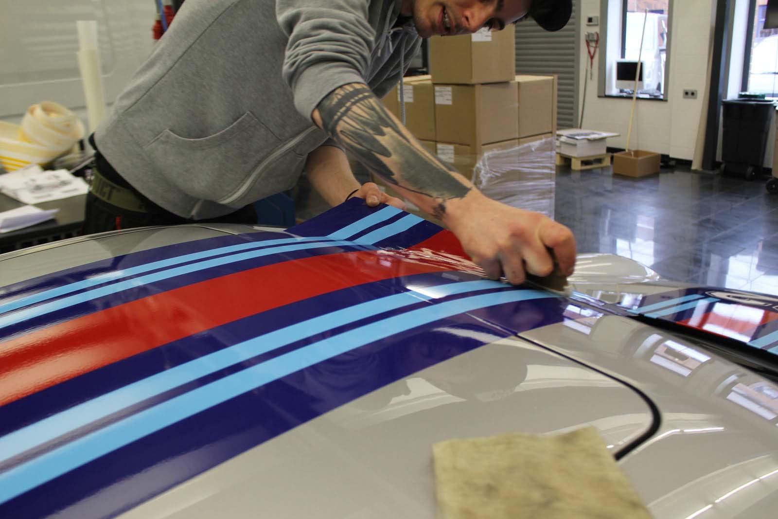 Porsche_911_Rallyestreifen_Teilfolierung_Martini_Design_08