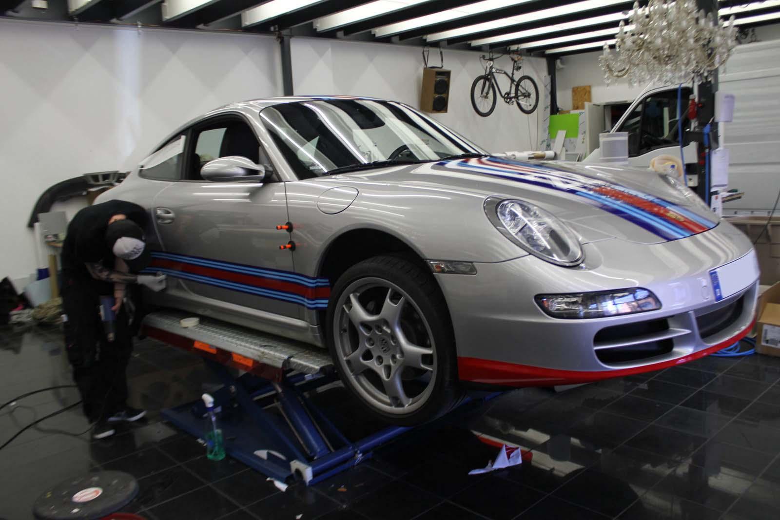 Porsche_911_Rallyestreifen_Teilfolierung_Martini_Design_12