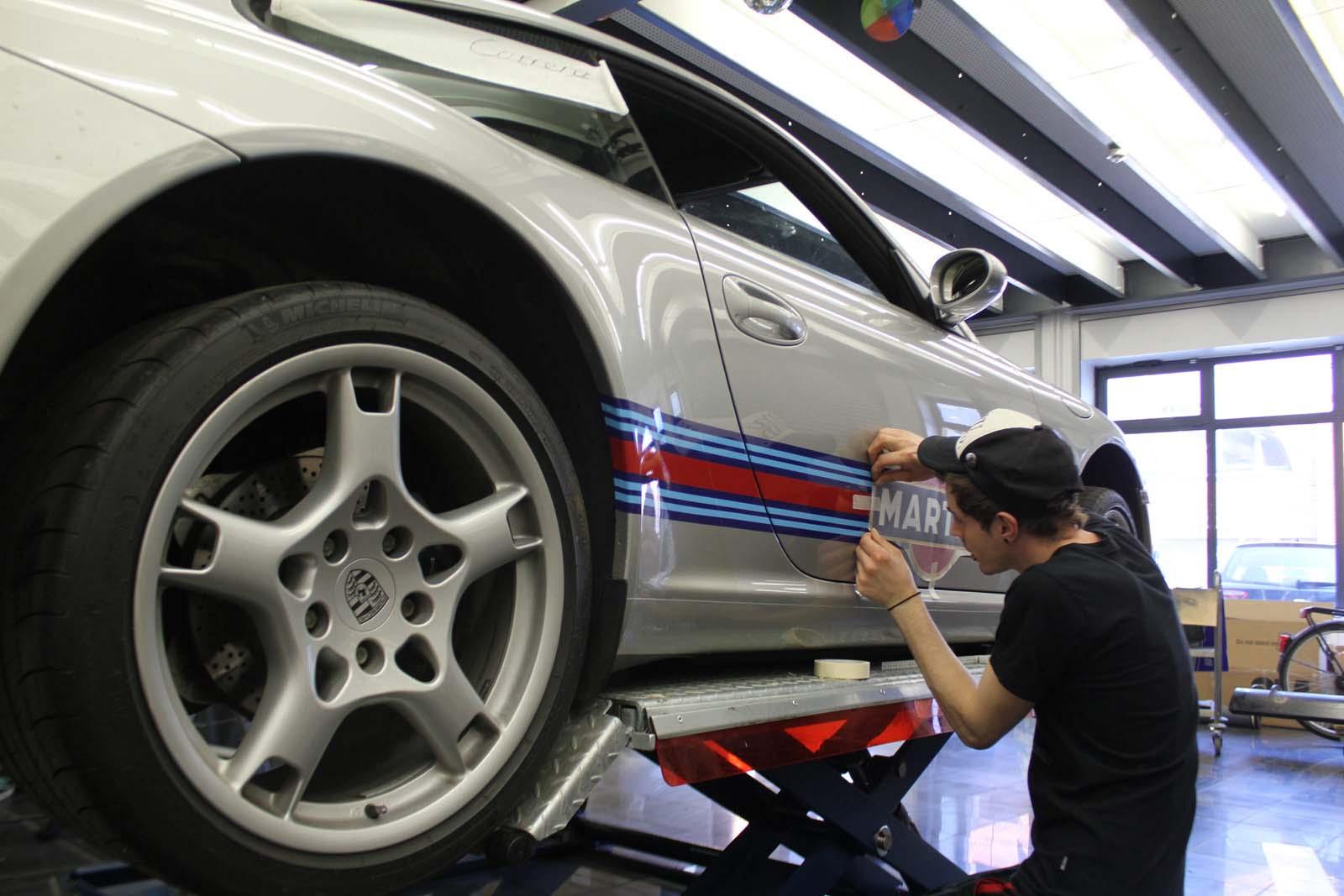 Porsche_911_Rallyestreifen_Teilfolierung_Martini_Design_13