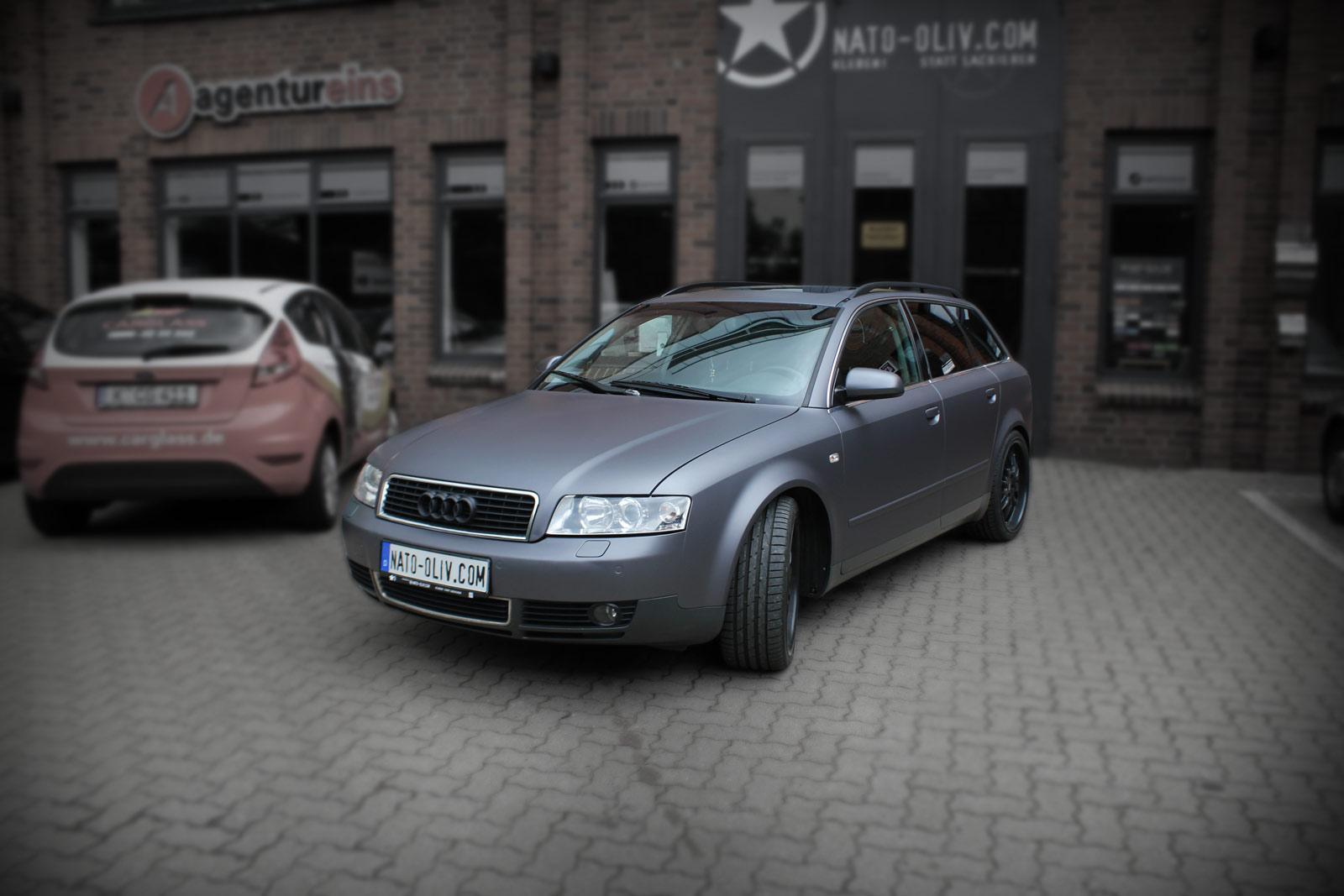 Audi A4 Avant beklebt mit anthrazit matt metallic Folie sowie Scheibentönung.