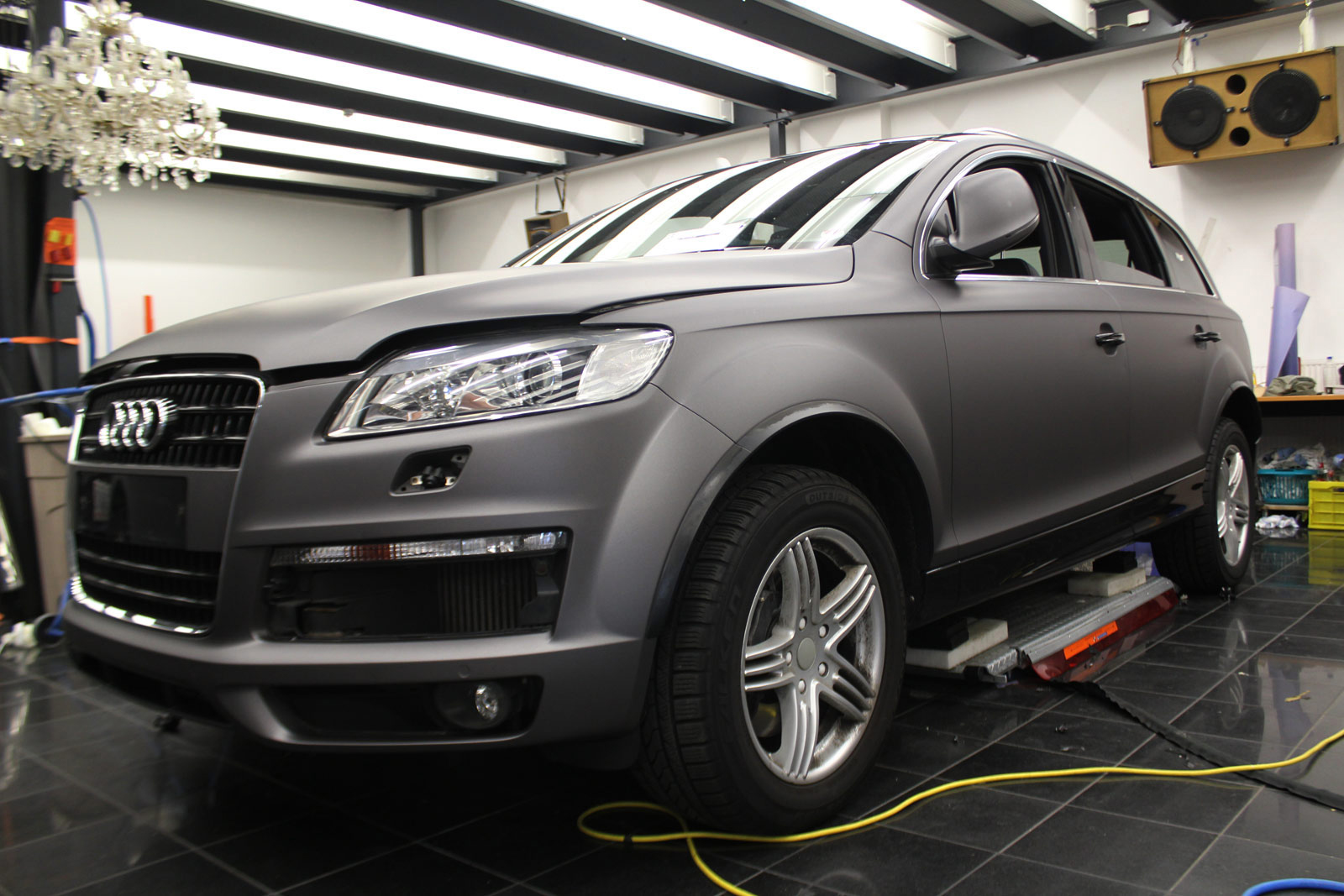 AUDI_Q7_ANTHRAZIT_MATT_METALLIC_01