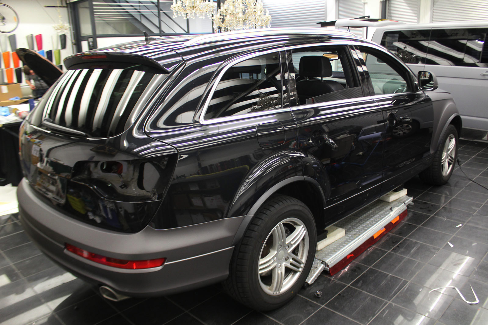 AUDI_Q7_ANTHRAZIT_MATT_METALLIC_02