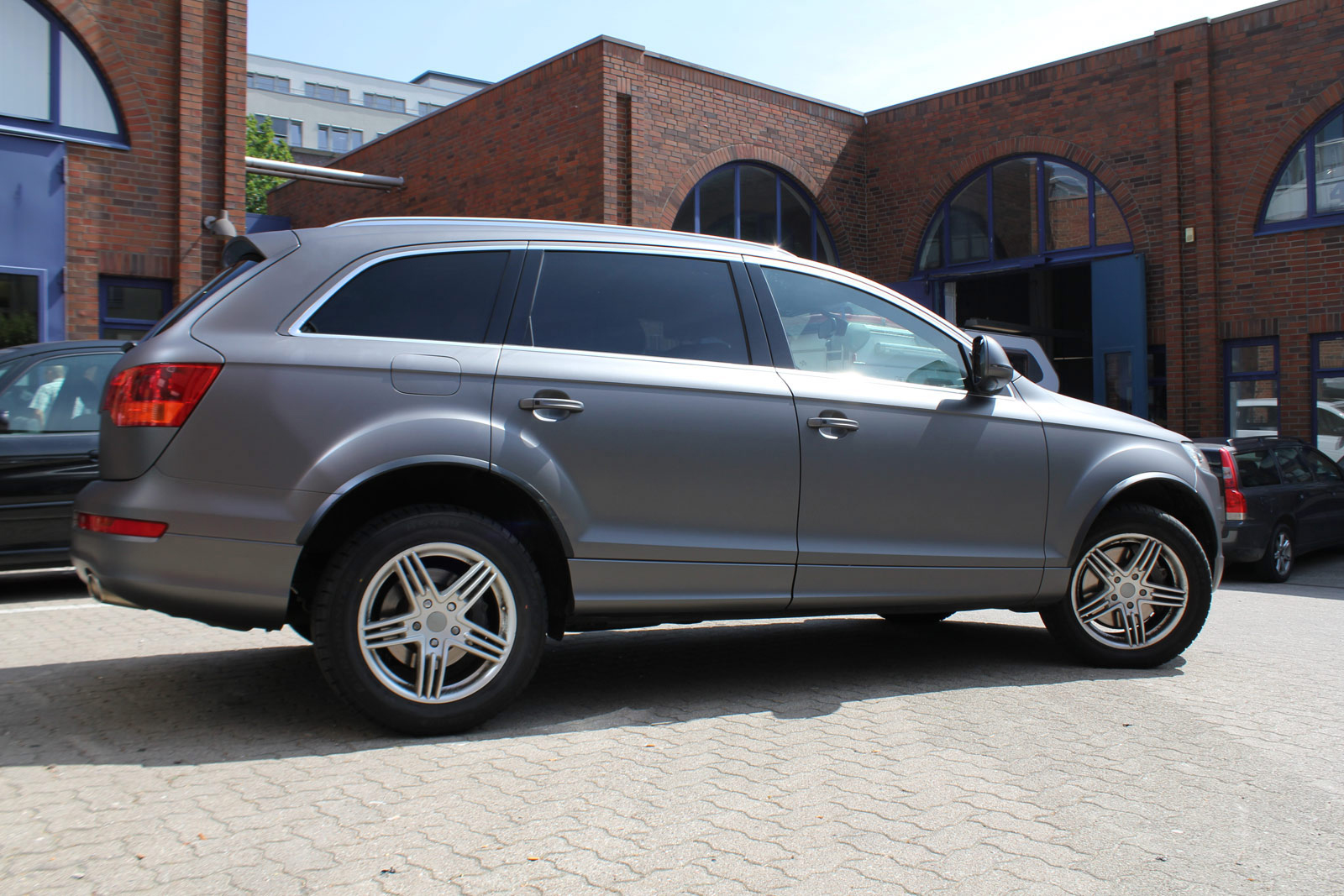AUDI_Q7_ANTHRAZIT_MATT_METALLIC_06