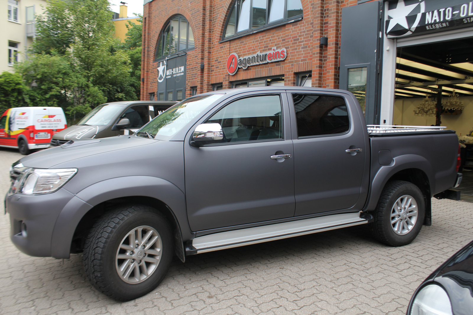 TOYOTA_HILUX_FOLIERUNG_ANTHRAZIT_METALLIC_MATT_08