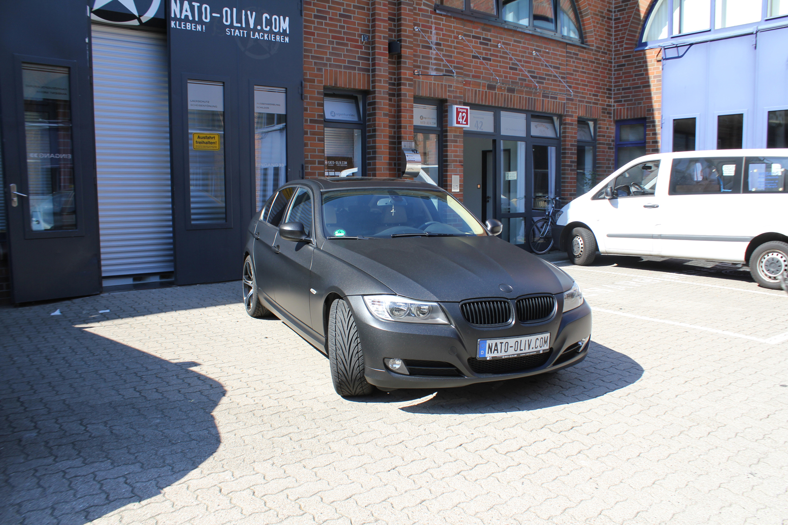 BMW_3ER_FOLIERUNG_MIDNIGHTBLACK_METALLIC_MATT_19
