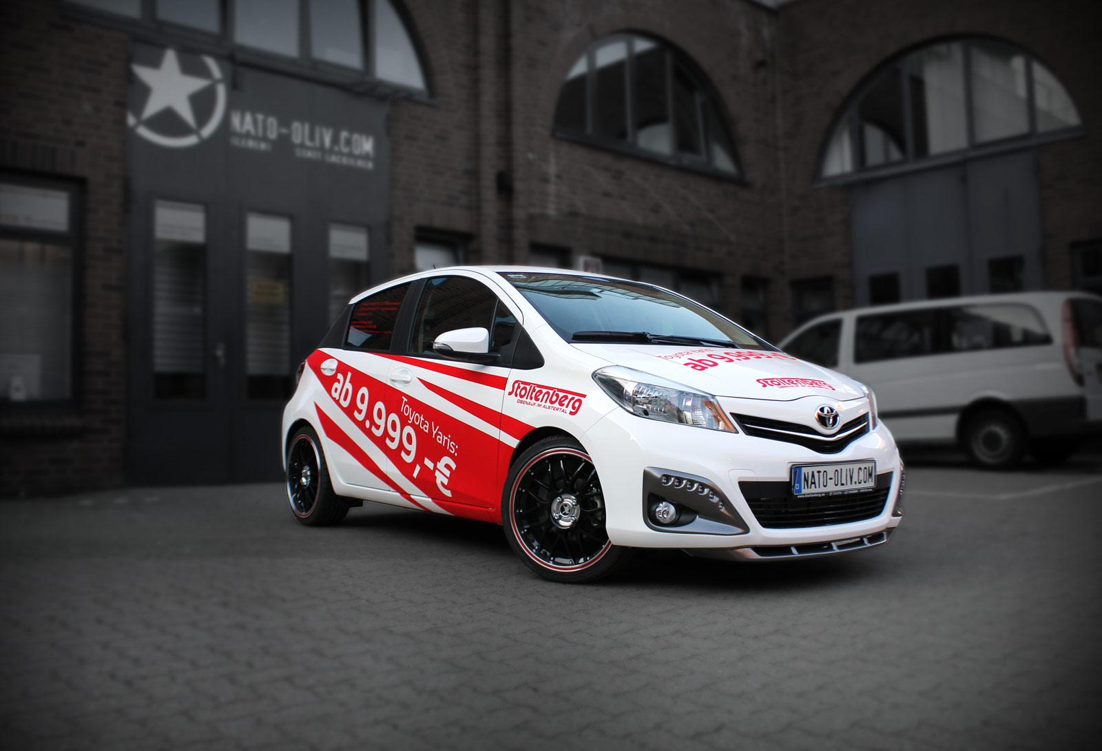 Toyota Yaris Folierung mit spezieller Velours Folie.