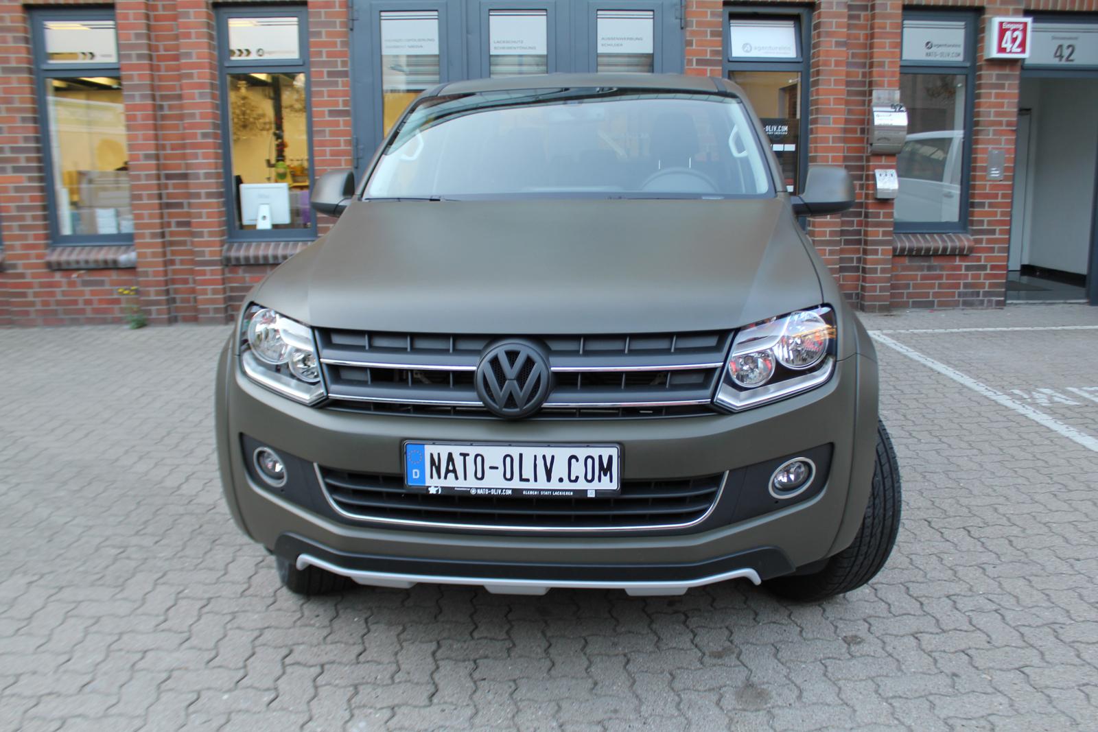 VW_AMAROK_FOLIERUNG_NATO-OLIV_MATT_BESCHRIFTUNG_03