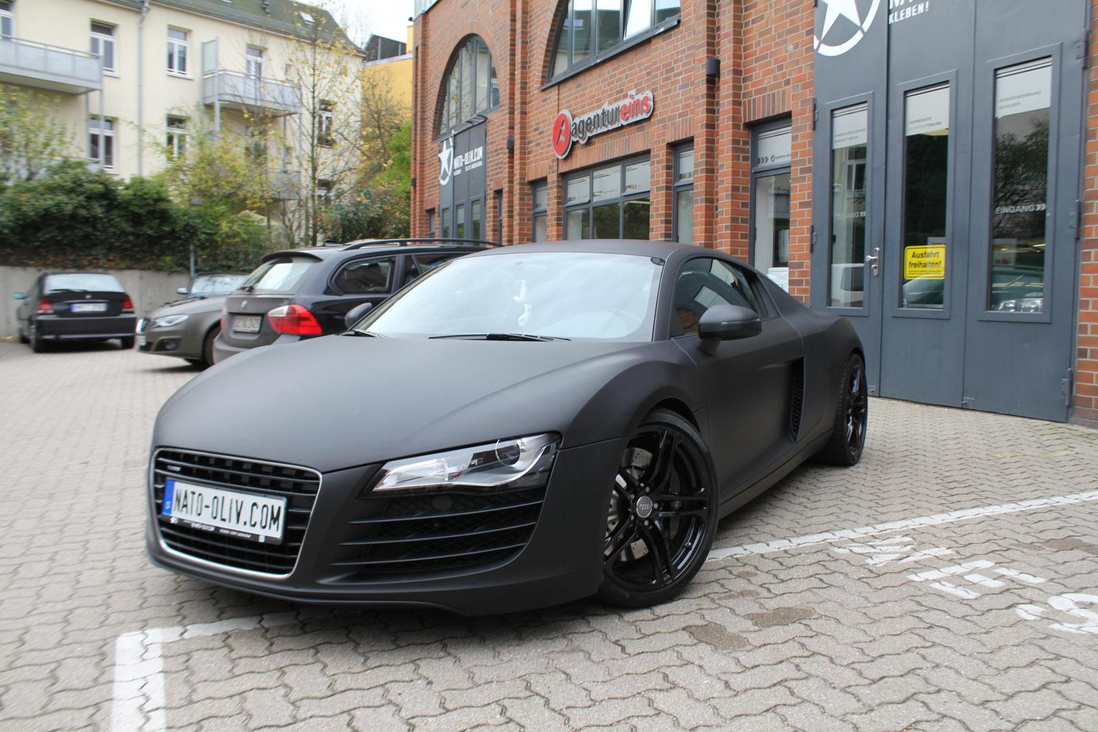 Audi_R8_schwarz_matt_folierung_mit_carbon_10