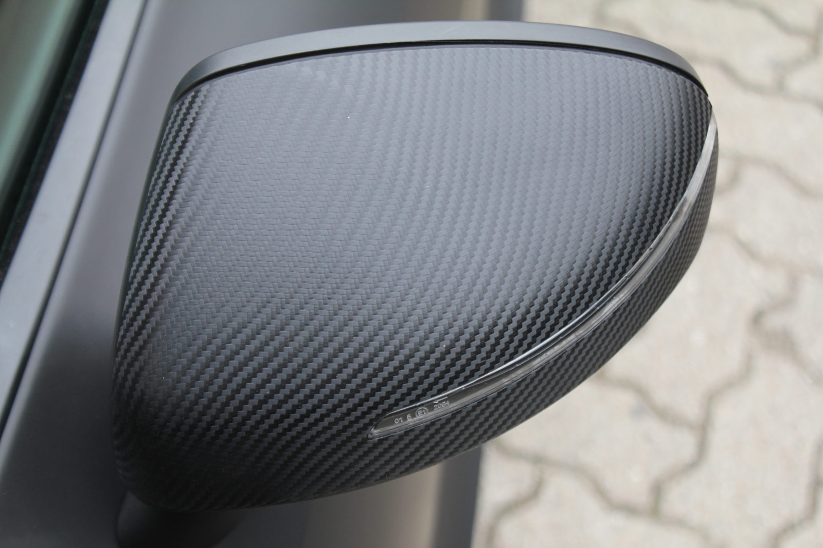 Audi_R8_schwarz_matt_folierung_mit_carbon_13