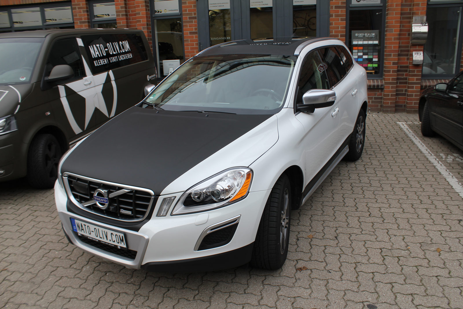 Volvo_XC60_Teilfolierung_schwarz_matt_haube_dach_05