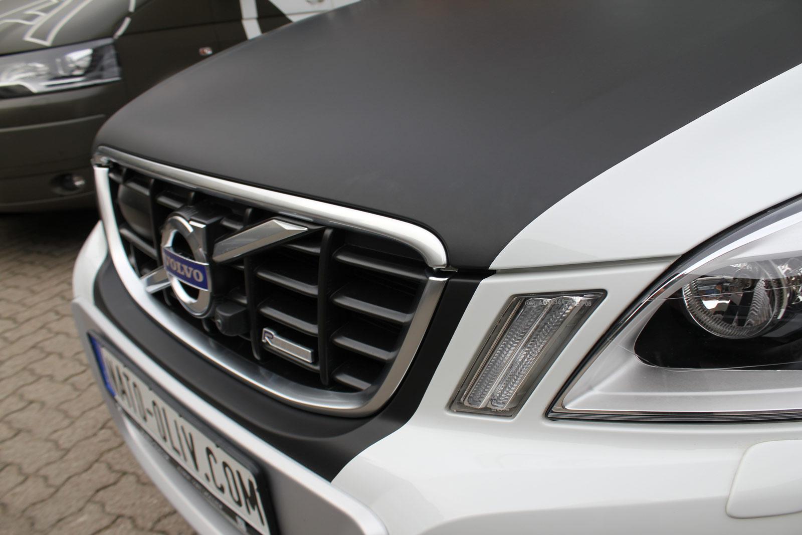 Volvo_XC60_Teilfolierung_schwarz_matt_haube_dach_09
