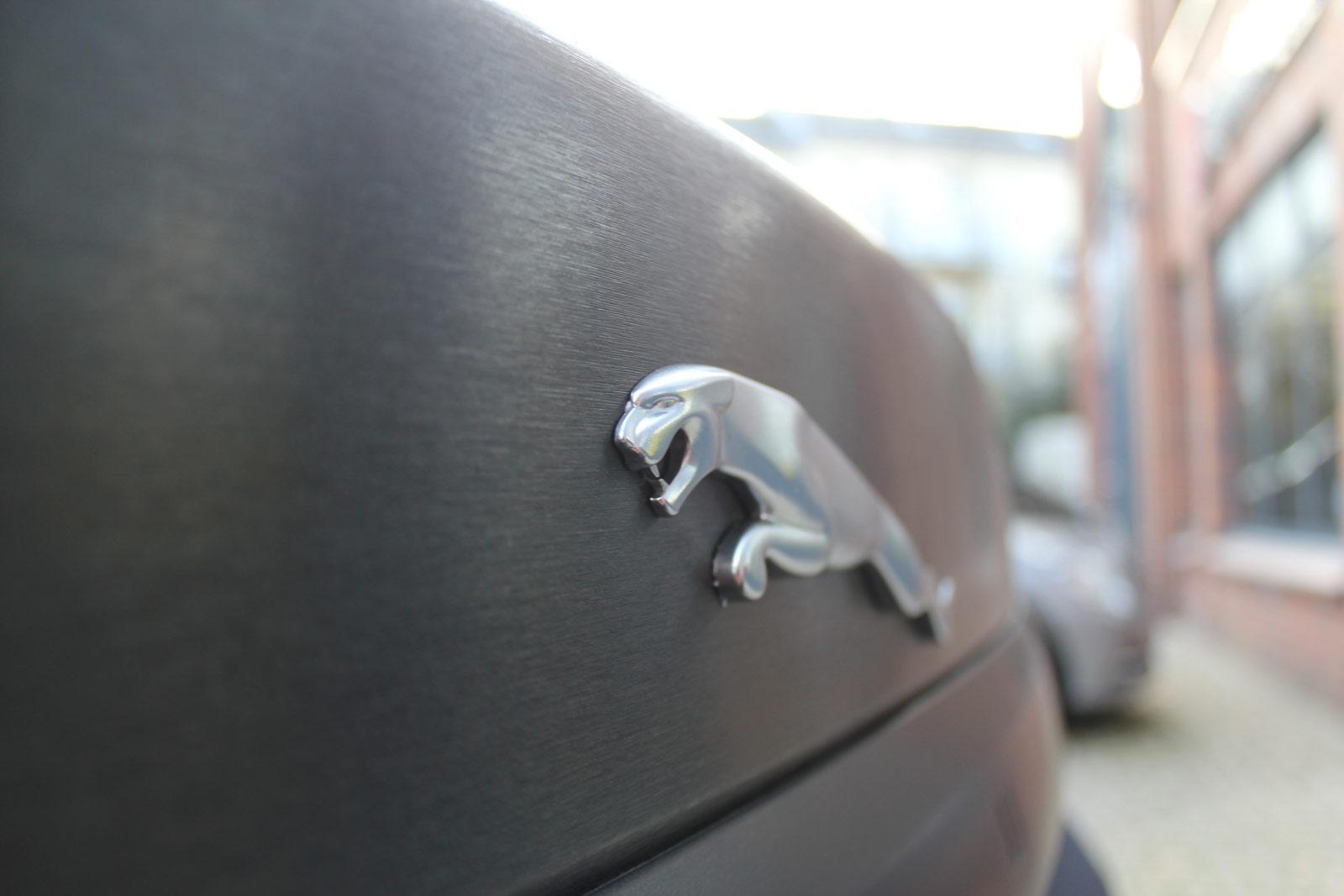 Jaguar_XF_Sv8_foliert_schwarz_gebuerstet_15