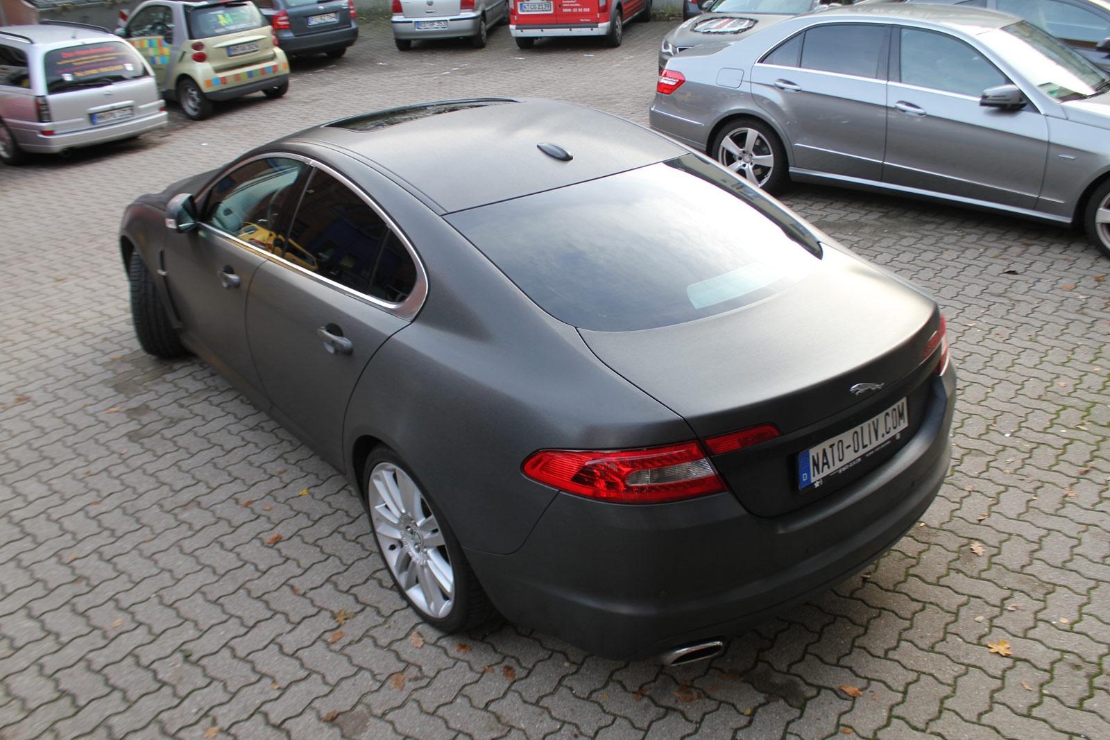 Jaguar_XF_Sv8_foliert_schwarz_gebuerstet_16