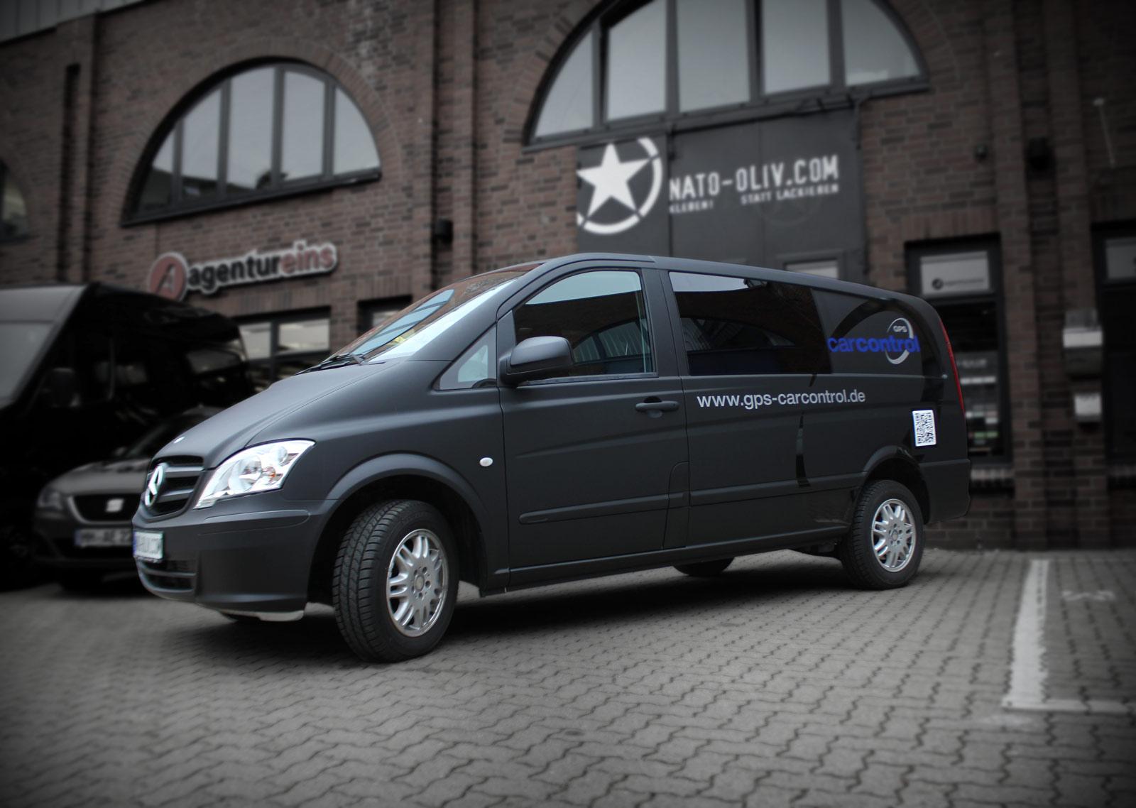 Mercedes Vito in schwarz matt foliert und zusätzlichem Branding.
