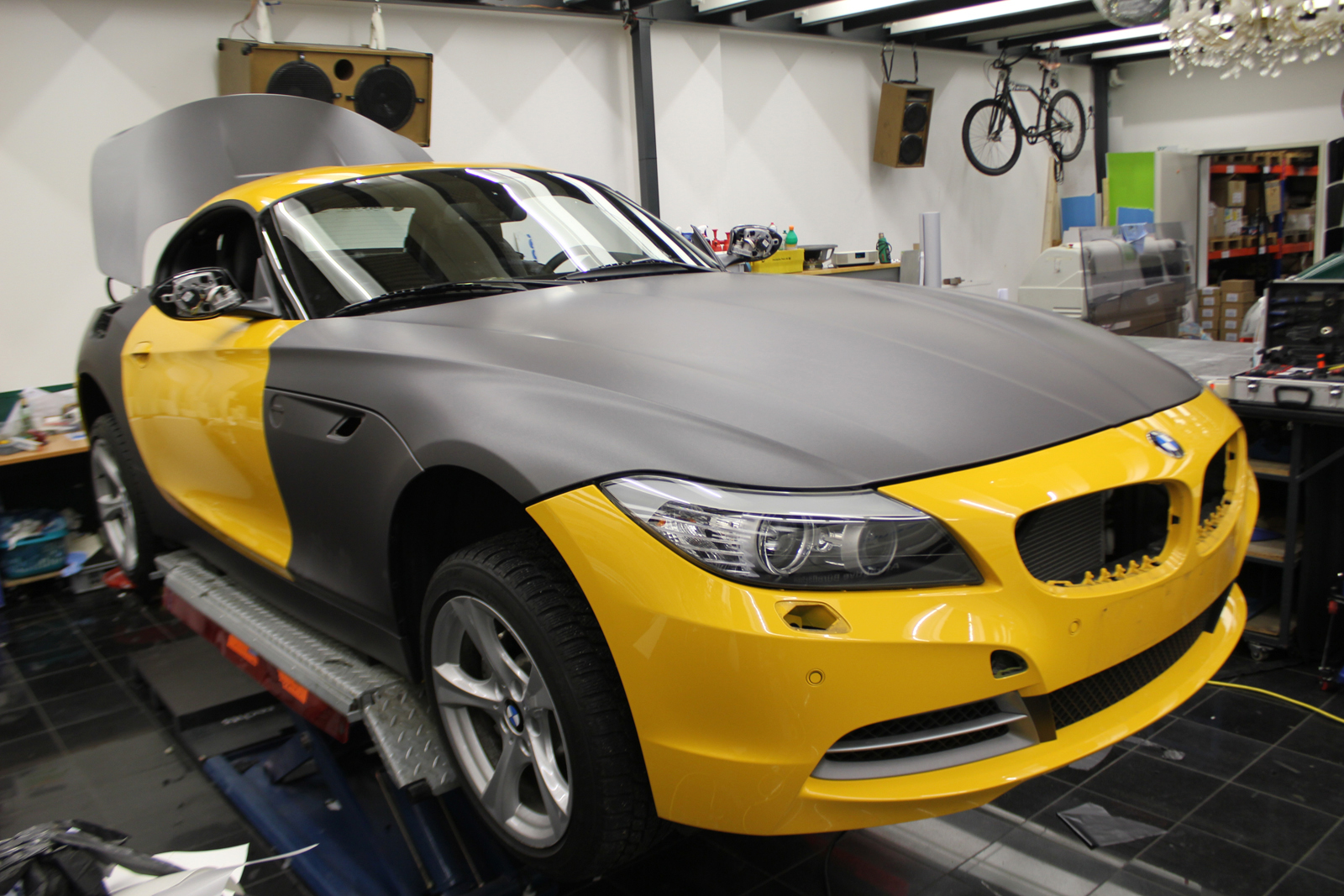 BMW_Z4_FOLIERUNG_ANTHRAZIT_METALLIC_MATT_01