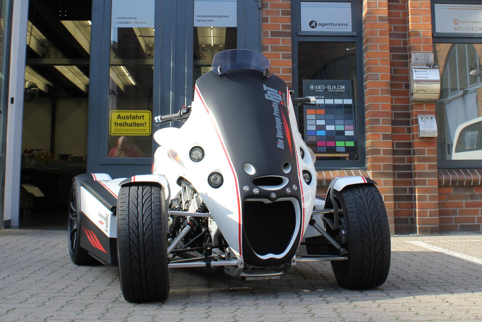 BMW_QUADSTER_TEILFOLIERUNG_SCHWARZ_MATT_BRANDING_16