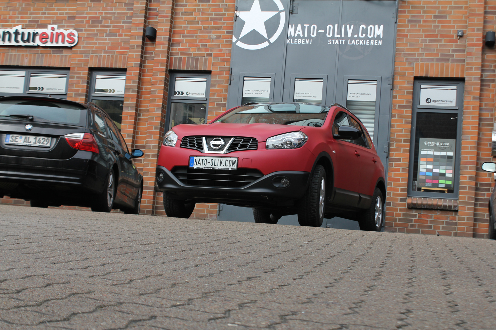 NISSAN_QASHQAI_FOLIERUNG_GARNET_RED_MATT_METALLIC_04