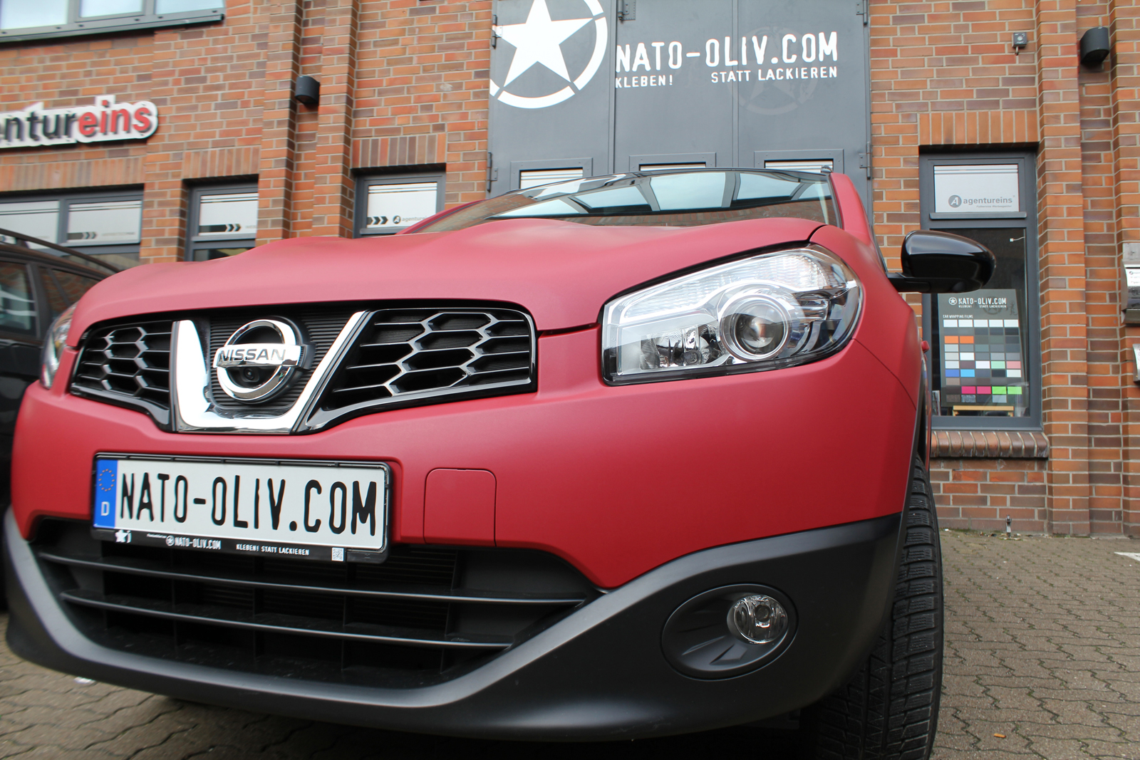 NISSAN_QASHQAI_FOLIERUNG_GARNET_RED_MATT_METALLIC_06
