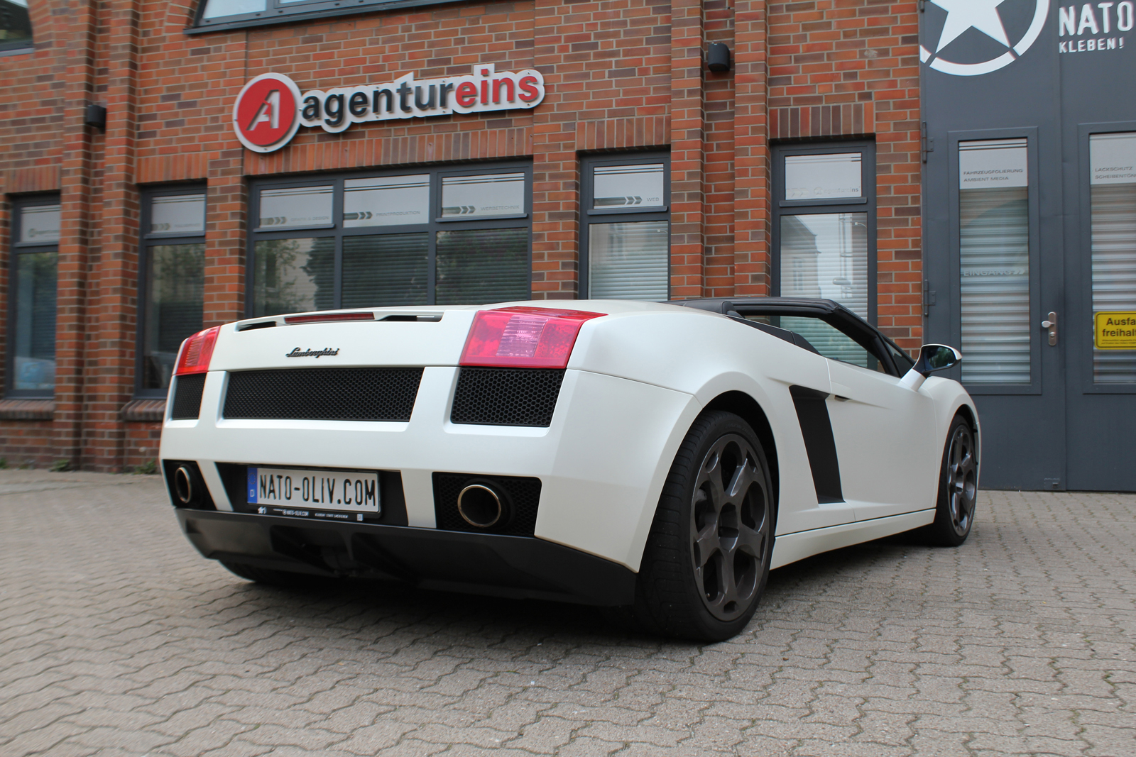 Car Wrapping Auto Folierung Lamborghini Gallardo Satin Pearl White