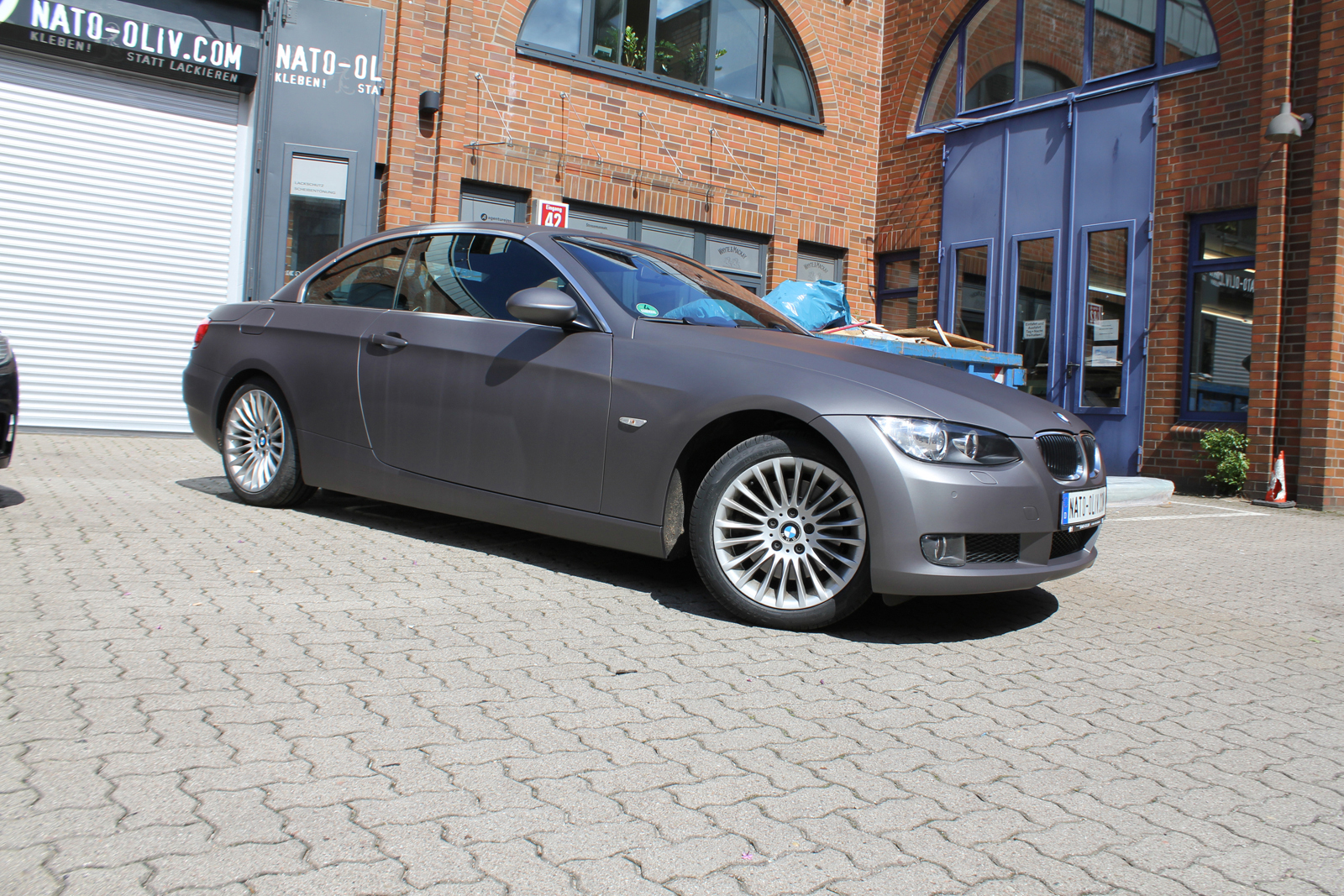 Car Wrapping Auto Folierung BMW 3er Cabriolet Anthrazit Metallic Matt