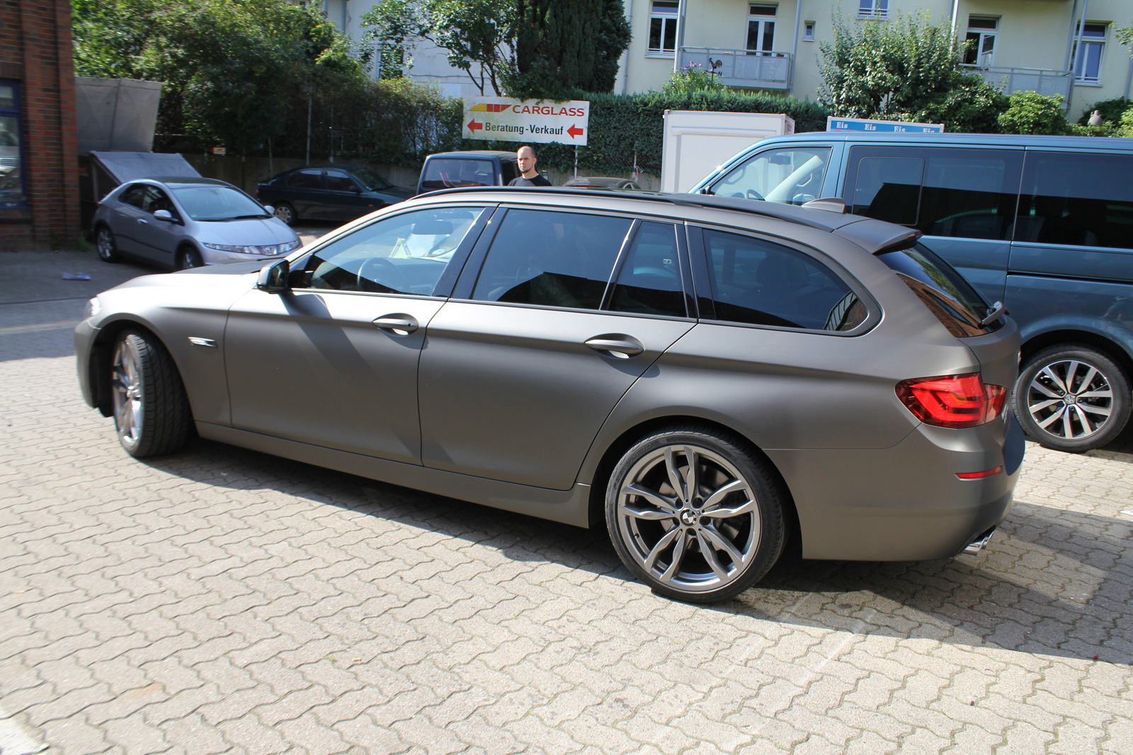 bmw 5er touring in charcoal matt metallic nato. Black Bedroom Furniture Sets. Home Design Ideas