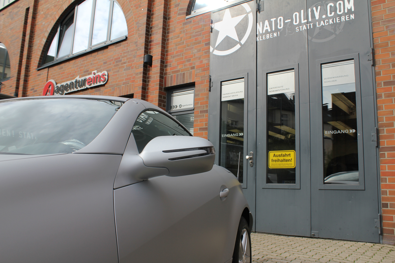 Auto Folierung Car Wrapping Mercedes SLK Arktiksilber
