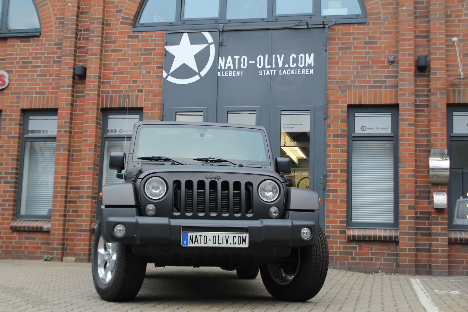 Auto Folierung Car Wrapping Jeep Wrangler Folierung Schwarzbraun Matt Metallic