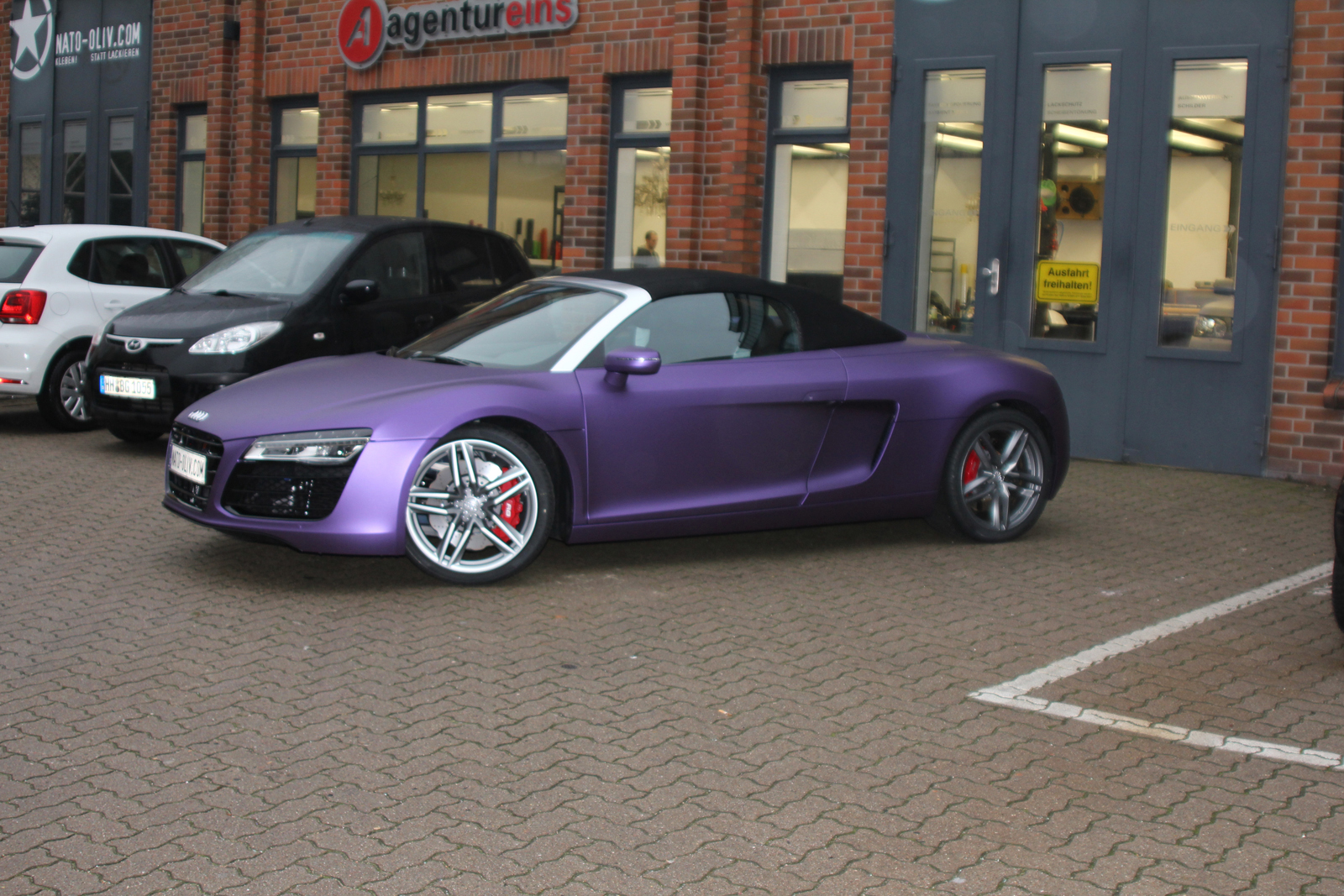 AUDI_R8_PURPLE_MATT_METALLIC_CAR-WRAPPING_03