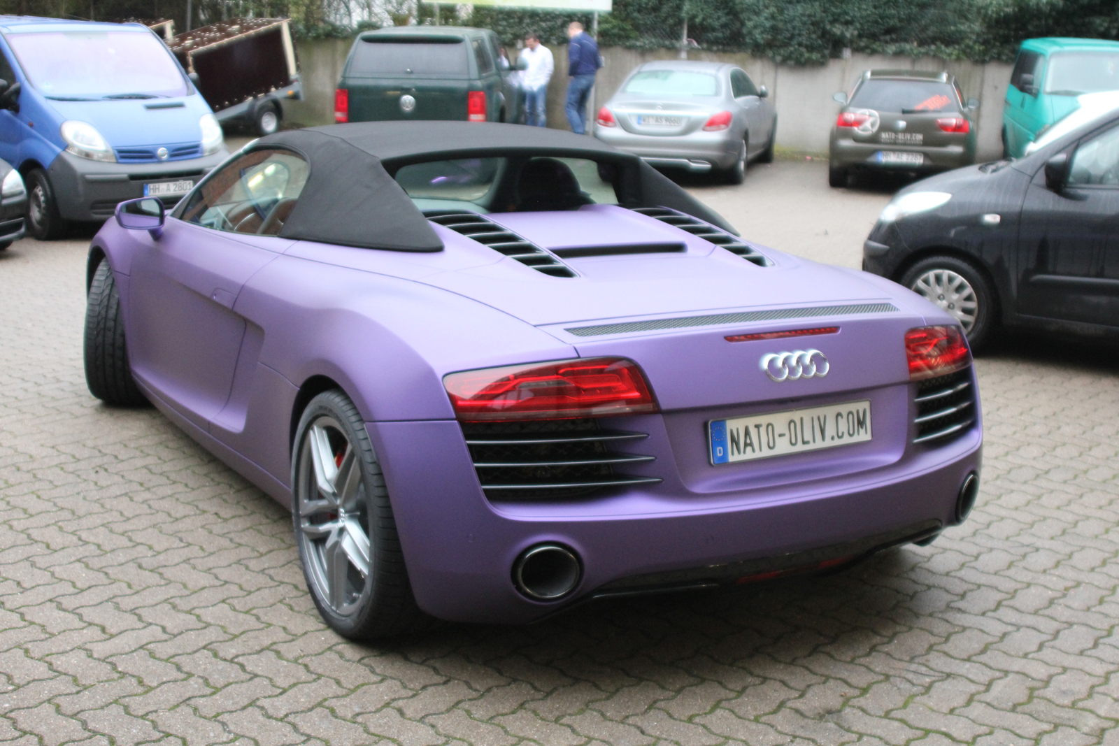 Car-Wrapping Audi R8 in purple matt metallic mit Folie beklebt