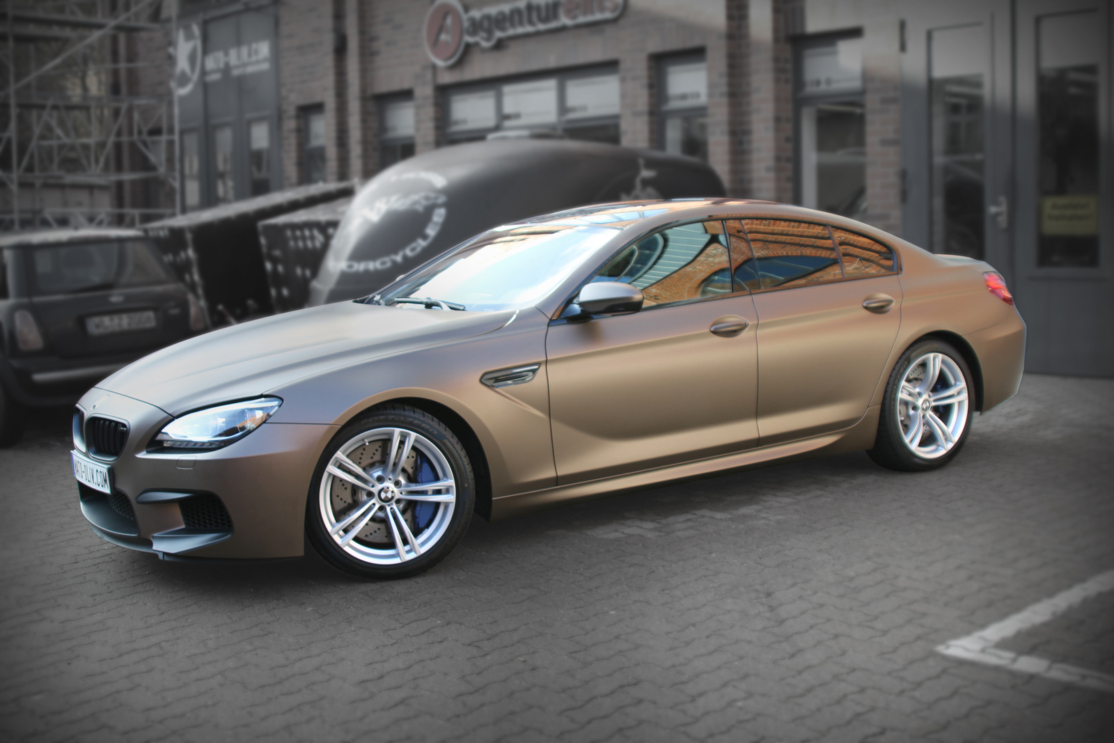 BMW M6 car wrapping braun matt metallic