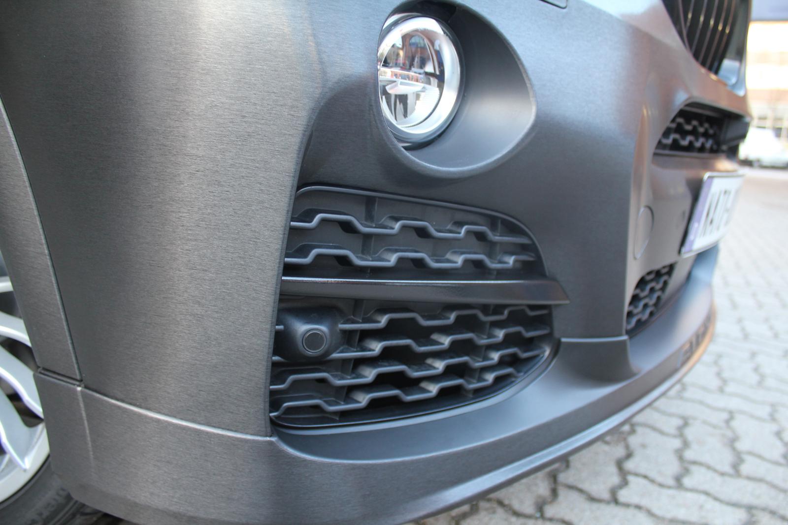 BMW_X3_CAR-WRAPPING_SCHWARZ_GEBUERSTET_FOLIE_05